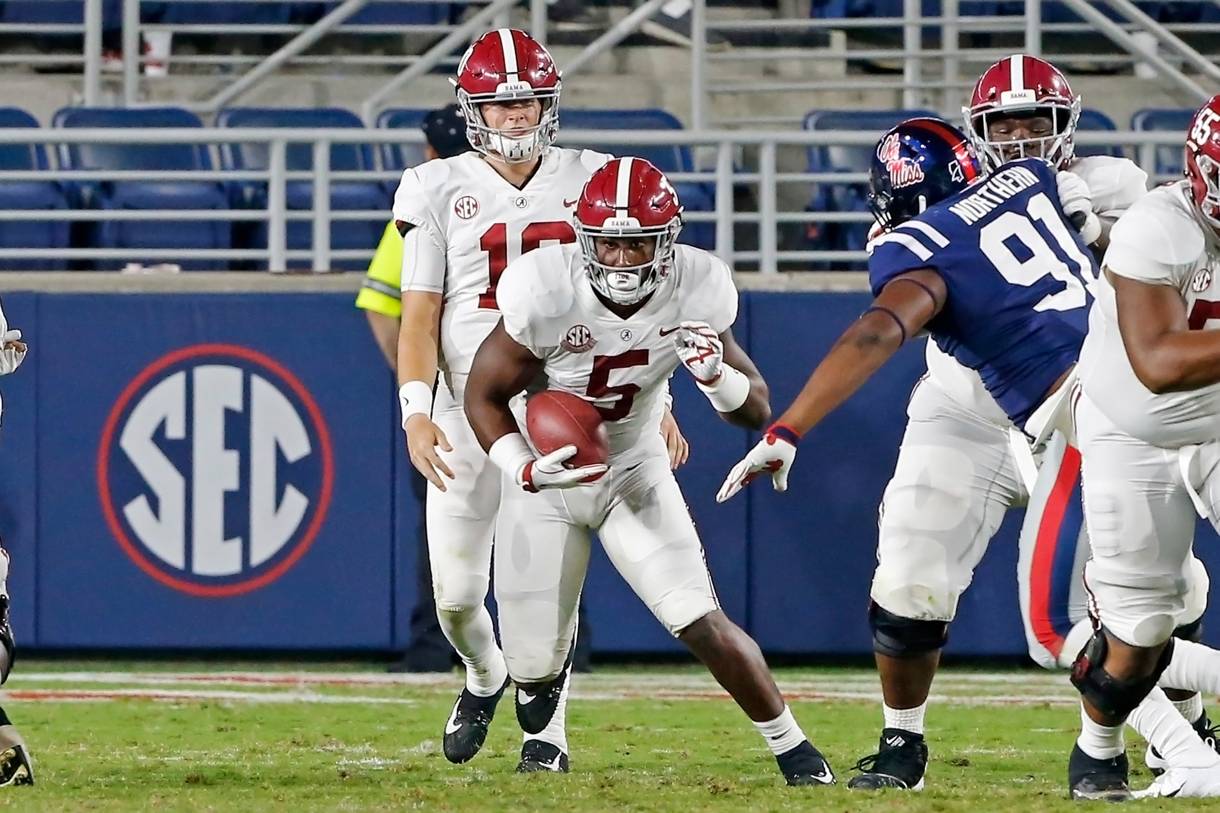 Alabama Crimson Tide running back Ronnie Clark (5) rushes during the game between the University of Alabama and Ole Miss at Vaught-Hemingway Stadium. Jason Clark / Daily Mountain Eagle