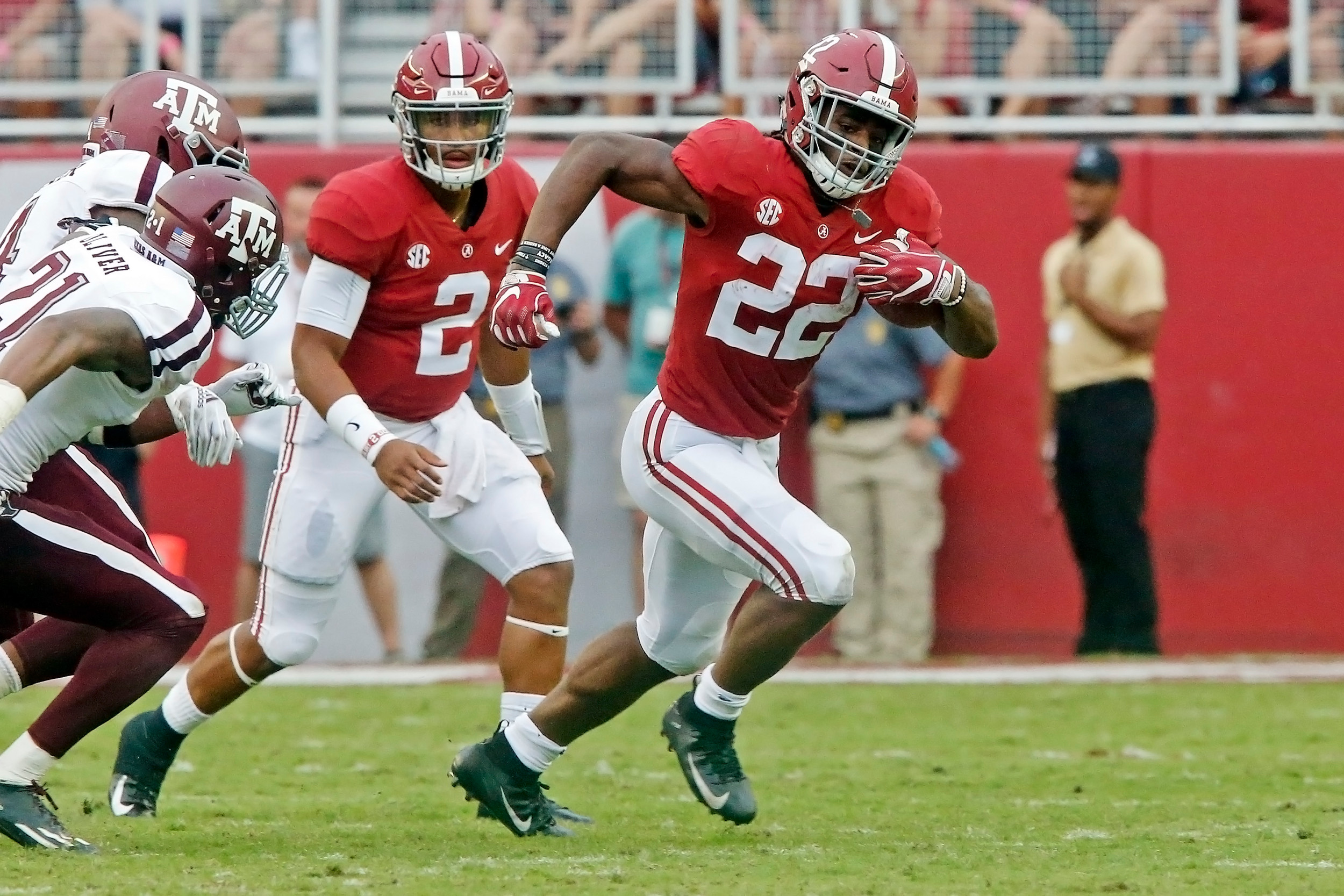 Alabama Crimson Tide running back Najee Harris (22) rushes for a first down during the game with against the Texas A&M Aggies at Bryant-Denny Stadium.  Jason Clark / Daily Mountain Eagle