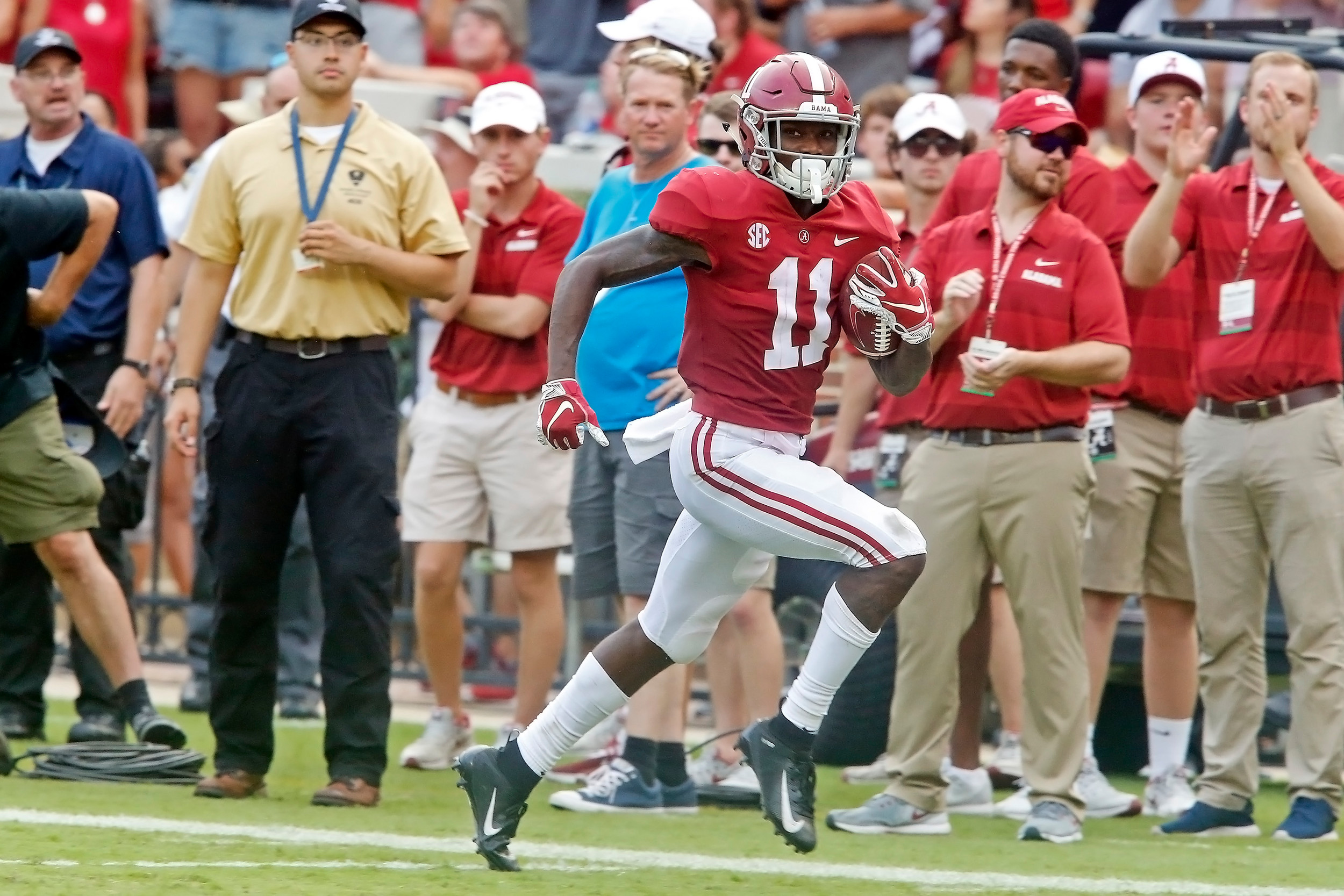 Alabama Crimson Tide wide receiver Henry Ruggs III (11) scores a touchdown during the game with against the Texas A&M Aggies at Bryant-Denny Stadium.  Jason Clark / Daily Mountain Eagle