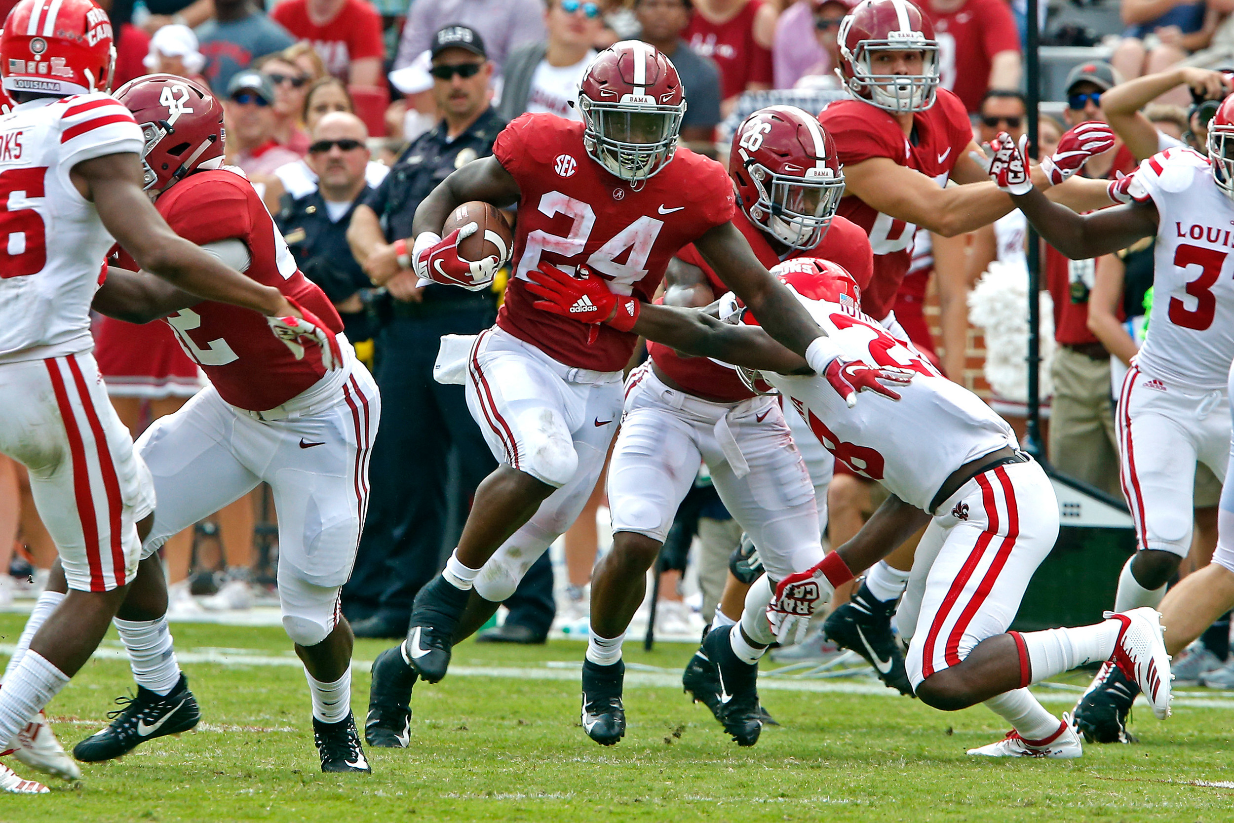Alabama Crimson Tide running back Brian Robinson Jr. (24) gains yards against Louisiana-Lafayette at Bryant-Denny Stadium in Tuscaloosa, Al on September 29, 2018. Jason Clark / Daily Mountain Eagle
