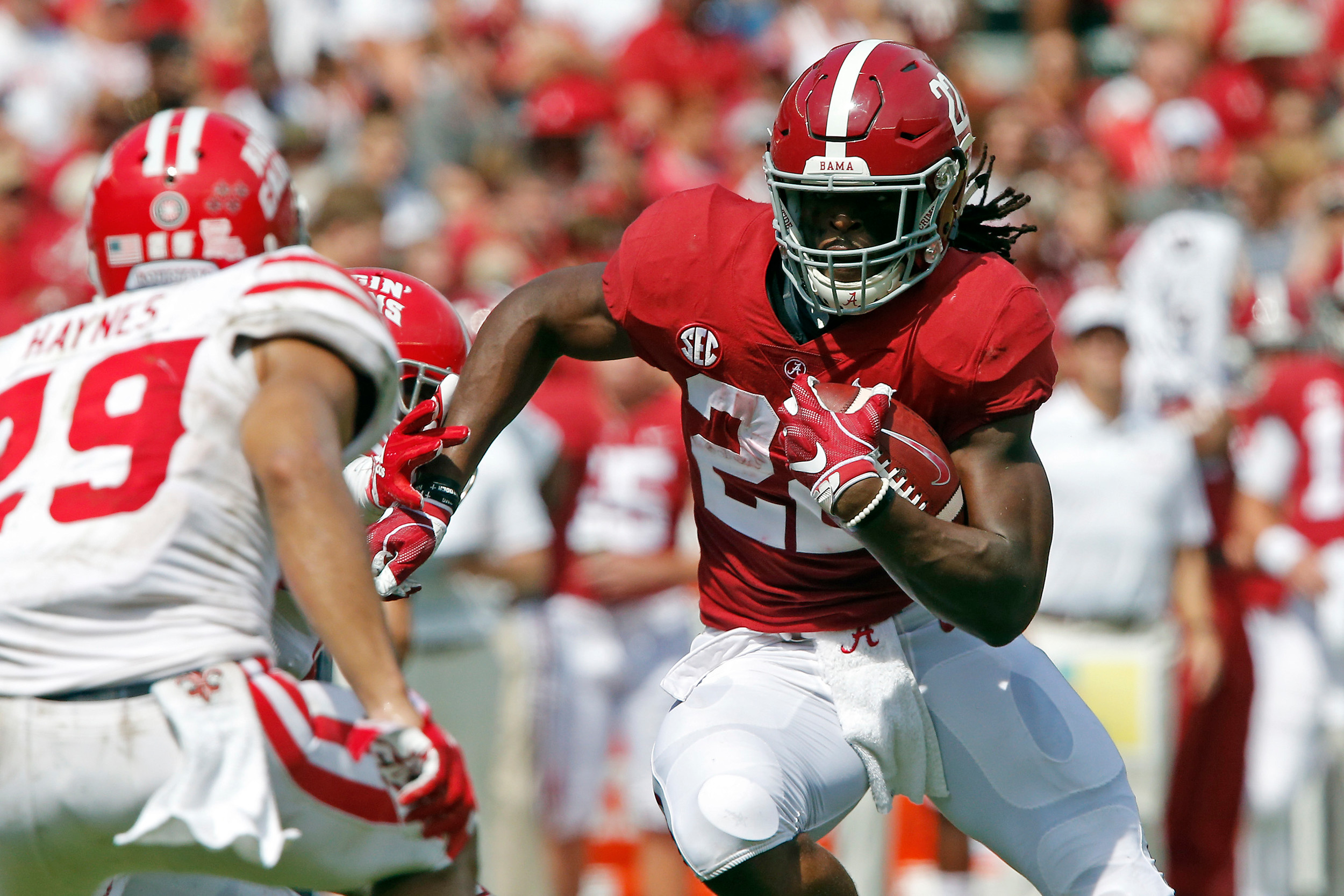 Alabama Crimson Tide running back Najee Harris (22) turns upfield for a gain at Bryant-Denny Stadium in Tuscaloosa, Al on September 29, 2018. Jason Clark / Daily Mountain Eagle