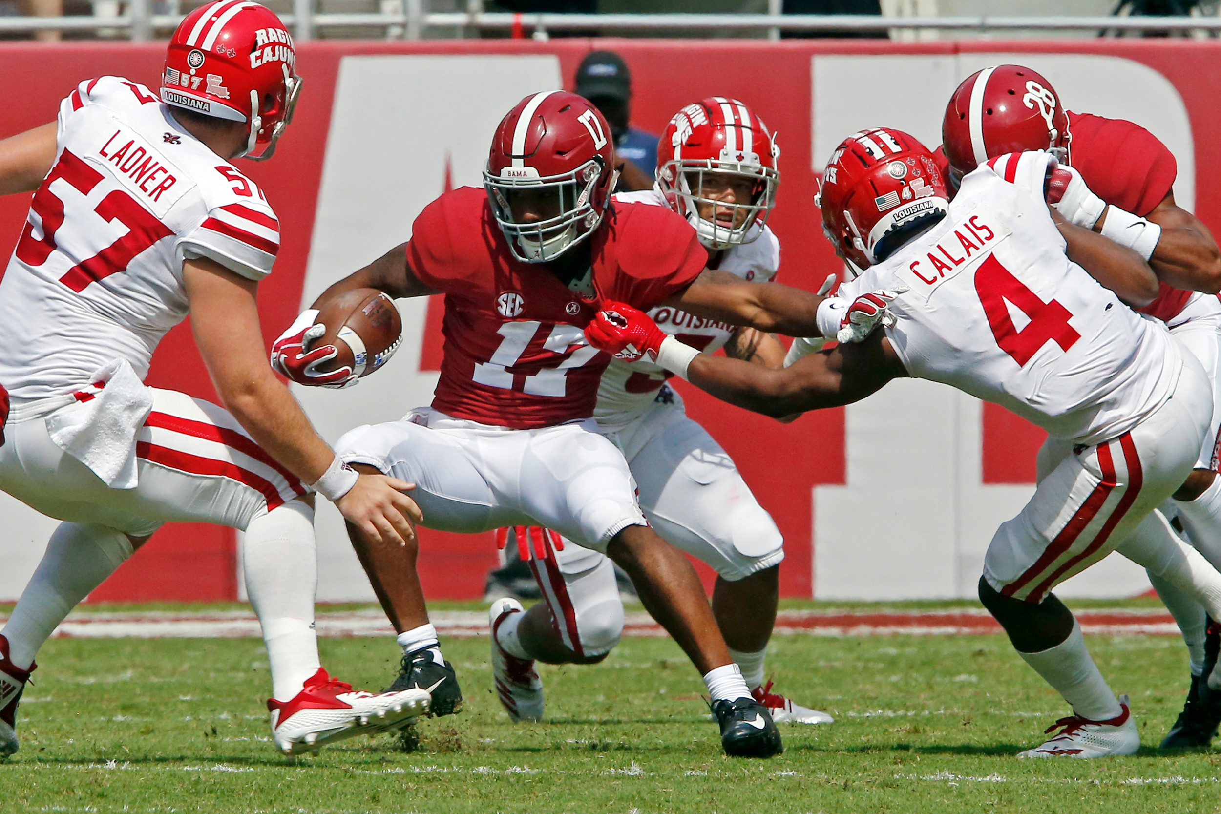 Alabama Crimson Tide wide receiver Jaylen Waddle (17) broke several tackles while returning a punt at Bryant-Denny Stadium in Tuscaloosa, Al on September 29, 2018. Jason Clark / Daily Mountain Eagle