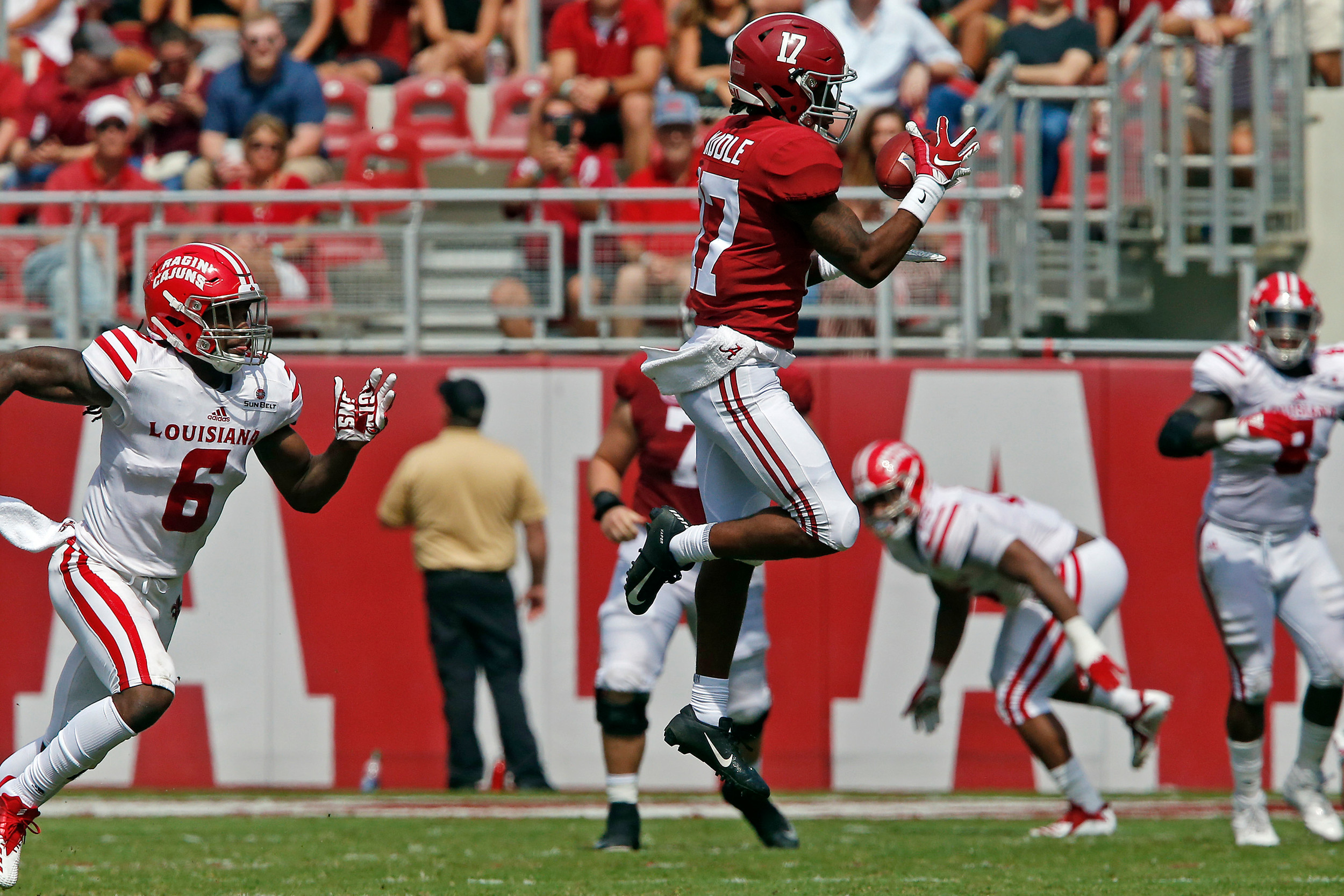 Alabama Crimson Tide wide receiver Jaylen Waddle (17) goes to the air to pull in a pass at Bryant-Denny Stadium in Tuscaloosa, Al on September 29, 2018. Jason Clark / Daily Mountain Eagle