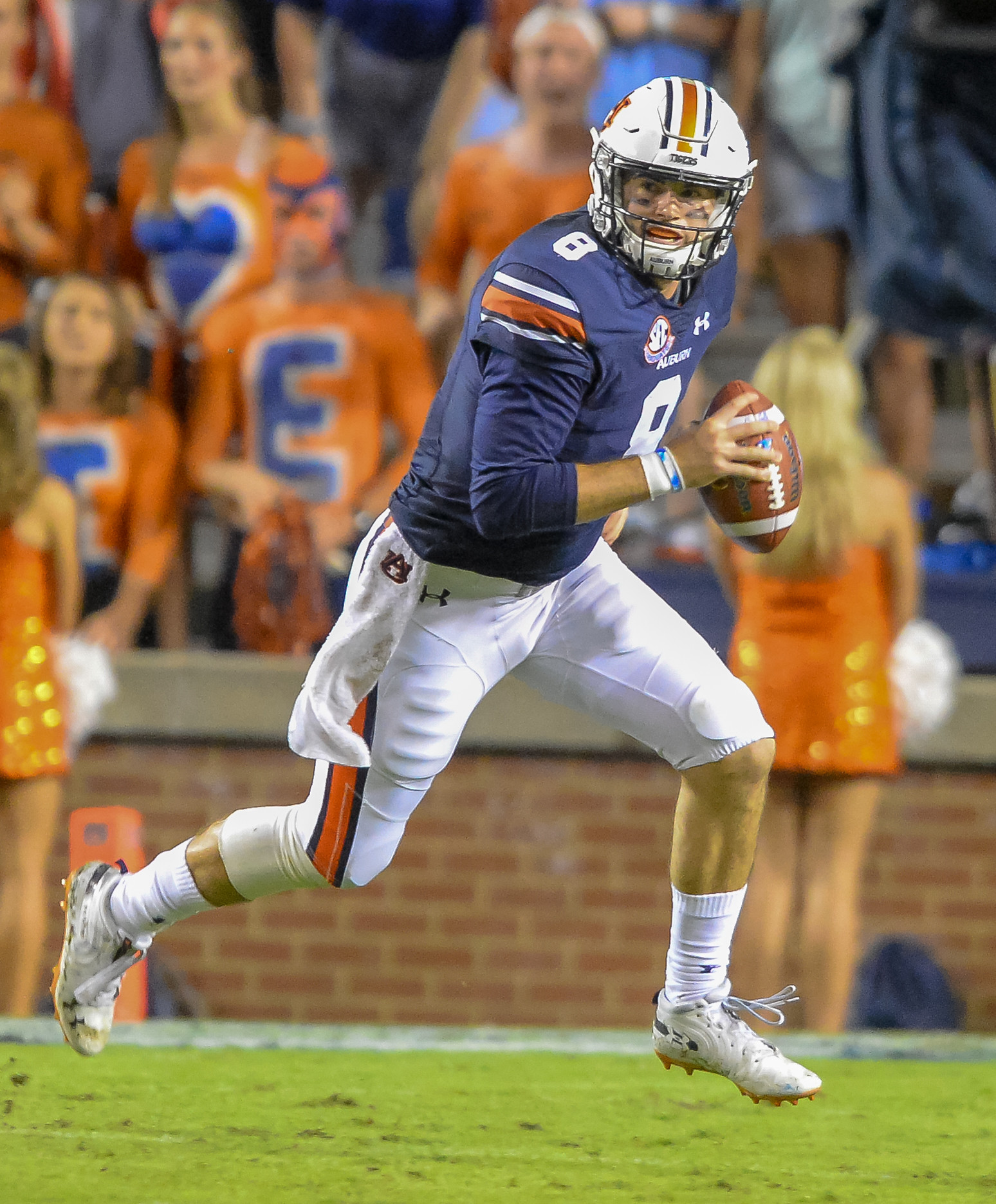 Auburn Tigers quarterback Jarrett Stidham (8) scrambles during the first half of Saturday's game, at Jordan Hare Stadium in Auburn AL. Daily Mountain Eagle -  Jeff Johnsey