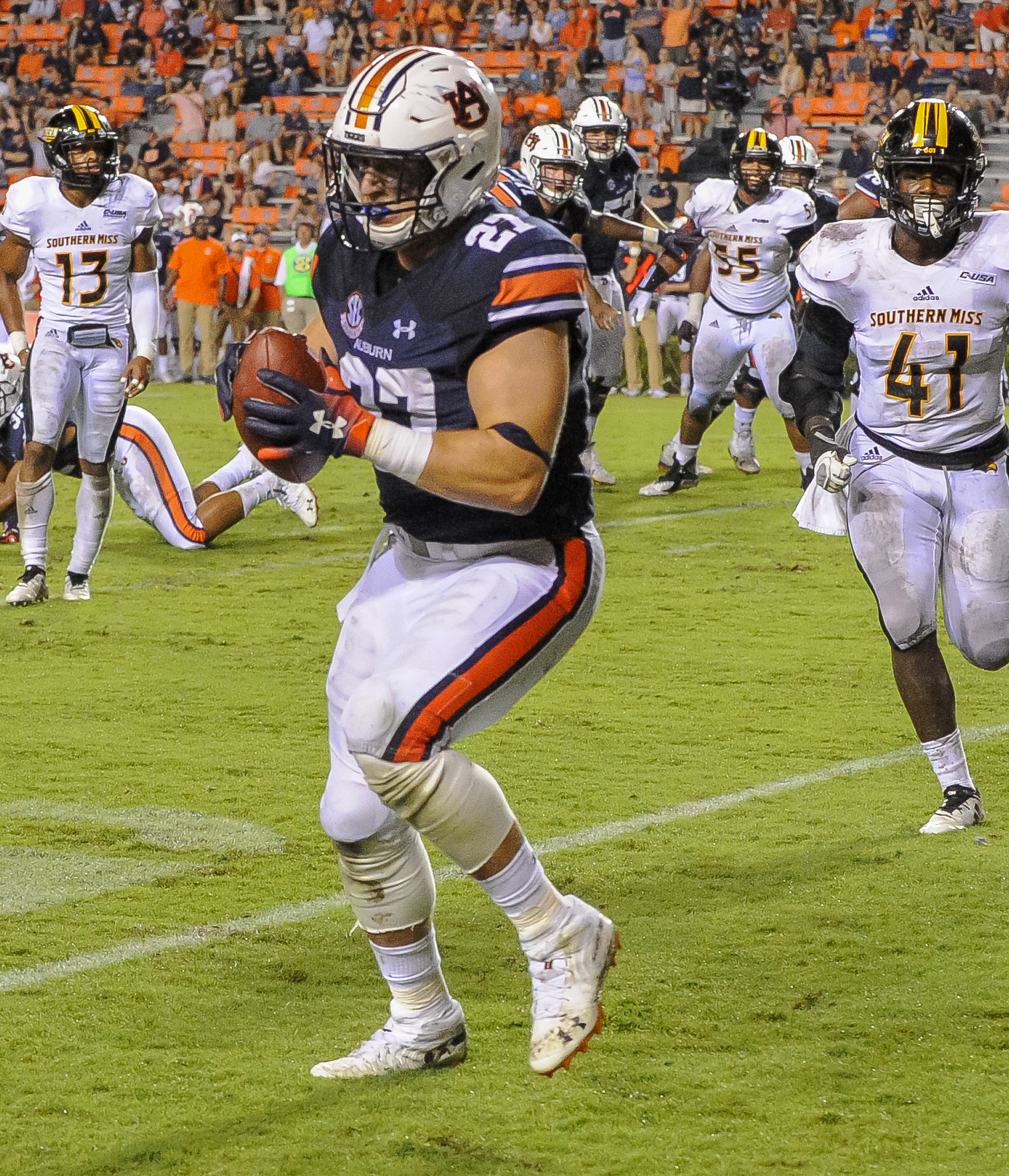 Auburn Tigers fullback Chandler Cox catches a touchdown pass during the second half of Saturday's game, at Jordan Hare Stadium in Auburn AL. Daily Mountain Eagle -  Jeff Johnsey