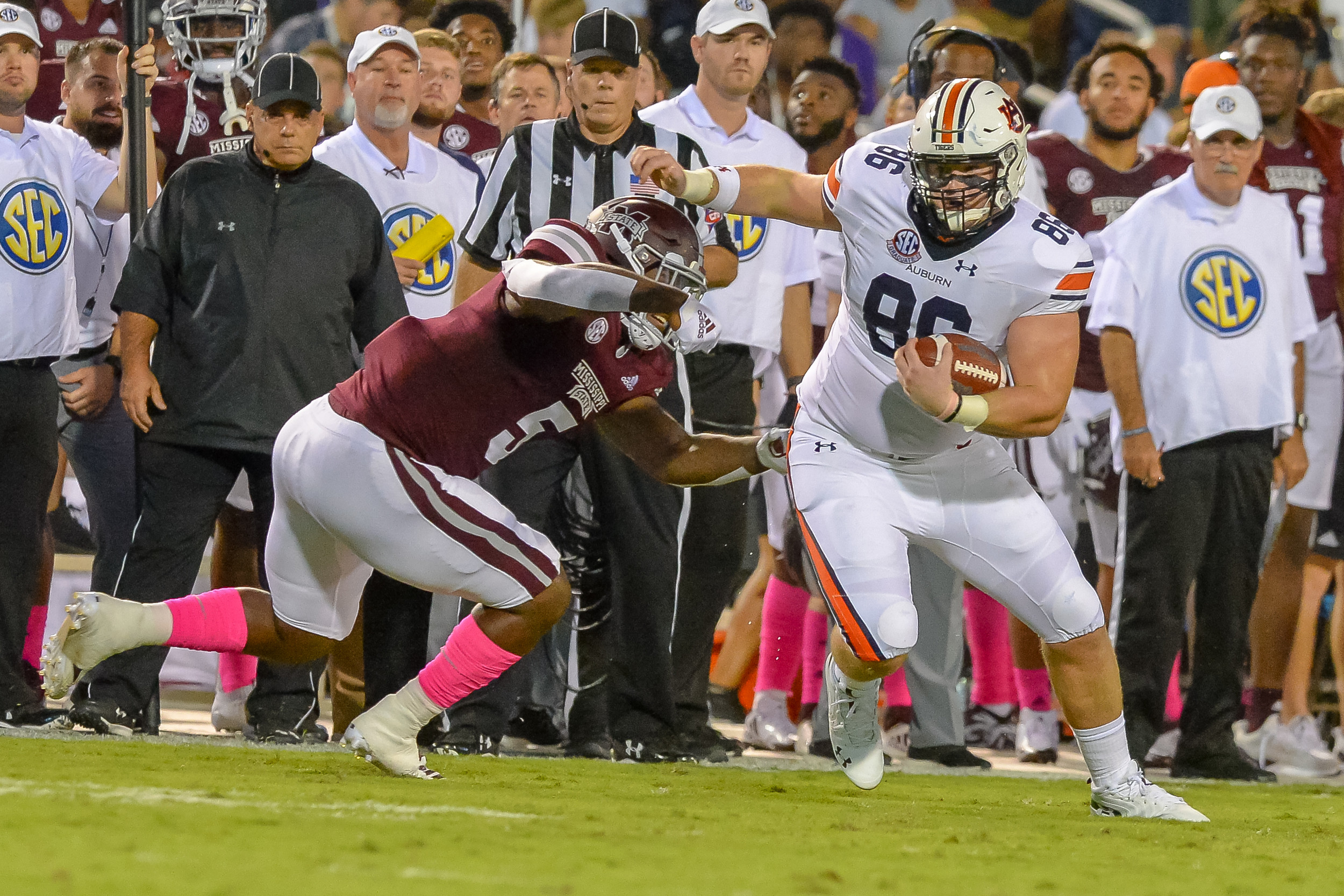 Auburn Tigers tight end Tucker Brown (86) heads upfield during the first half of Saturday's game, at Davis Wade Stadium in Starkville, MS. Daily Mountain Eagle -  Jeff Johnsey