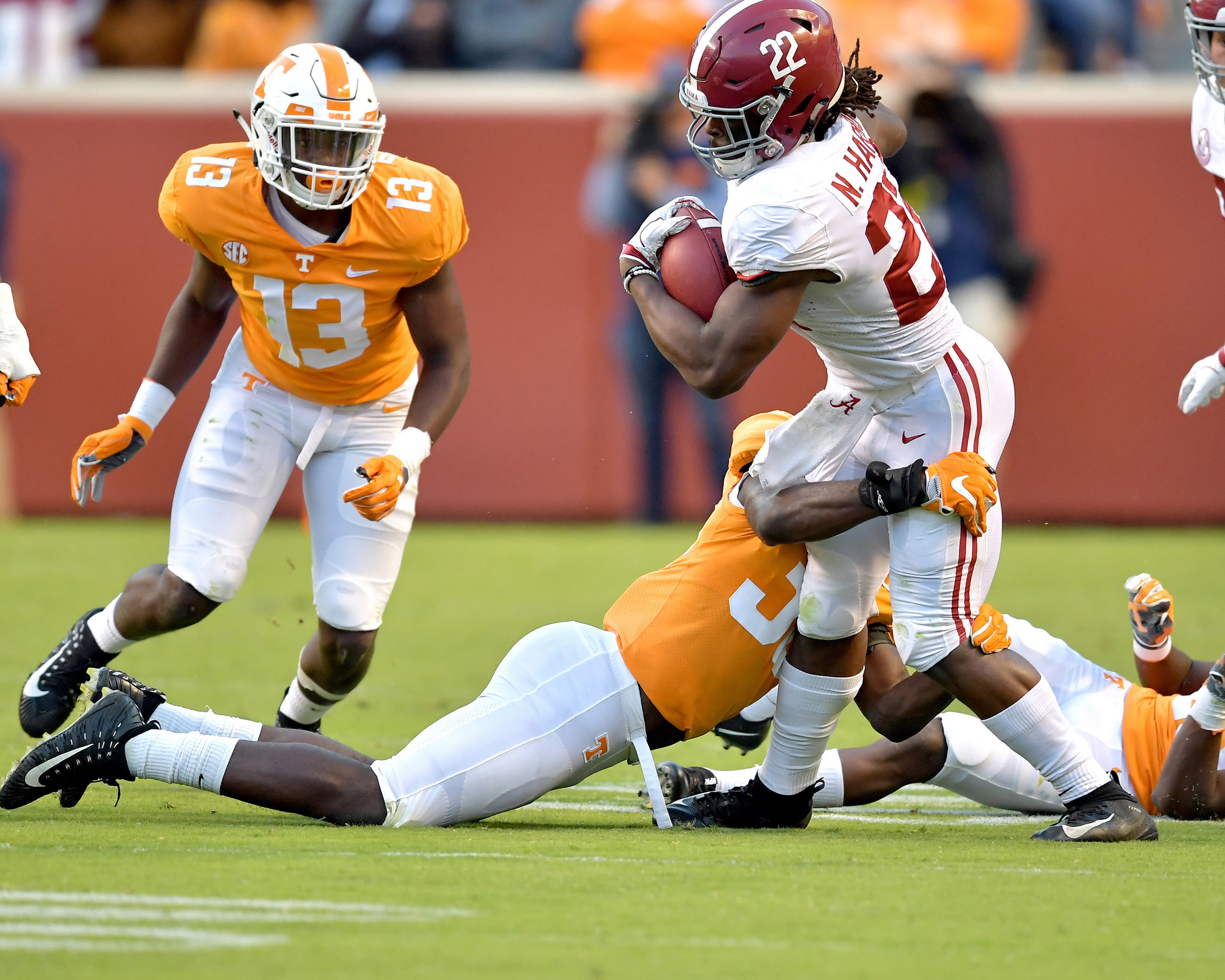 Alabama Crimson Tide running back Najee Harris (22) with a carry in the third quarter of the Alabama at Tennessee NCAA football game on Saturday, Oct. 20, 2018, at Neyland Stadium in Knoxville. Tenn. Alabama wins 58-21. (Photo by Lee Walls)