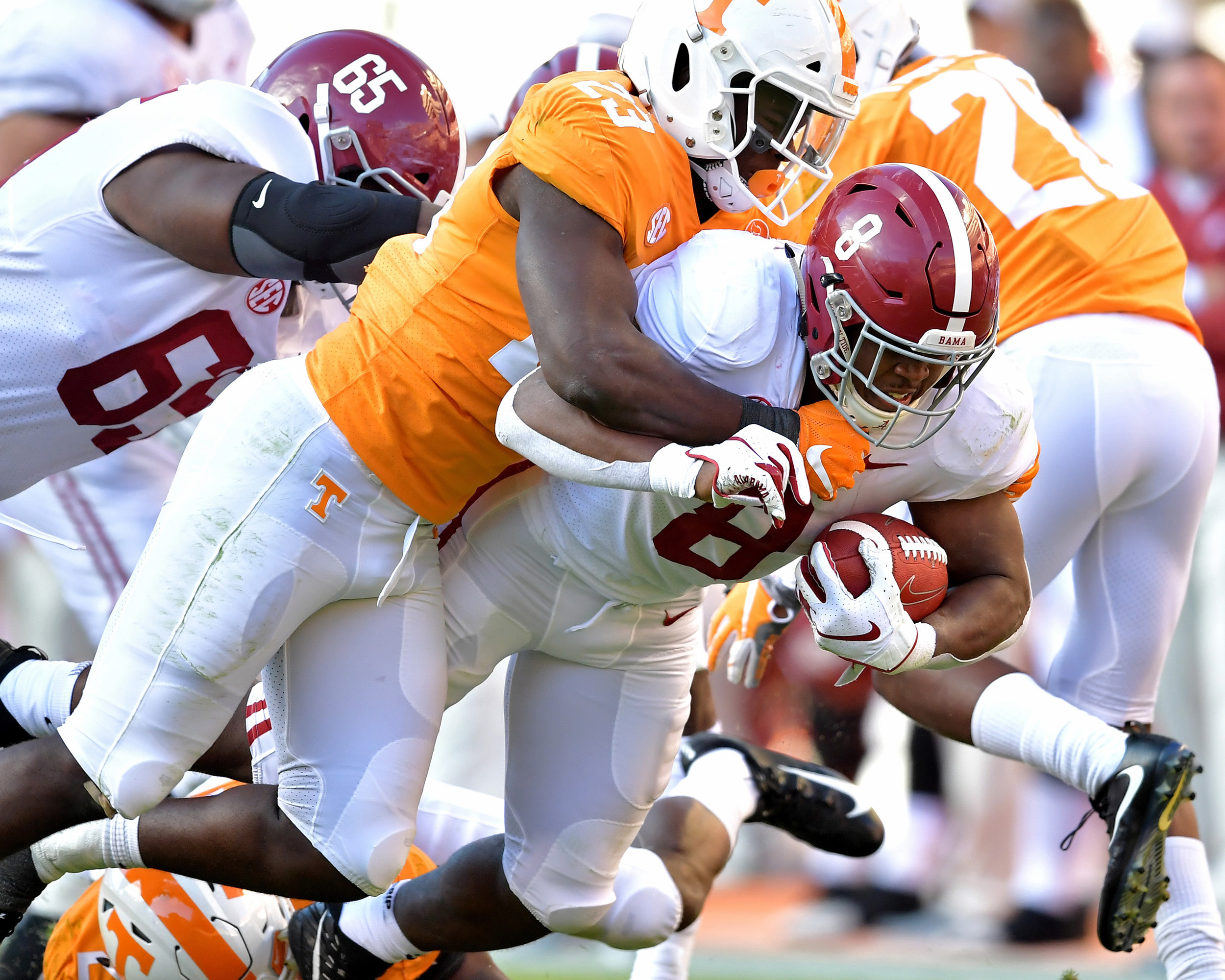 Alabama Crimson Tide running back Josh Jacobs (8) in action during the second quarter of the Alabama at Tennessee NCAA football game on Saturday, Oct. 20, 2018, at Neyland Stadium in Knoxville. Tenn. Alabama wins 58-21. (Photo by Lee Walls)