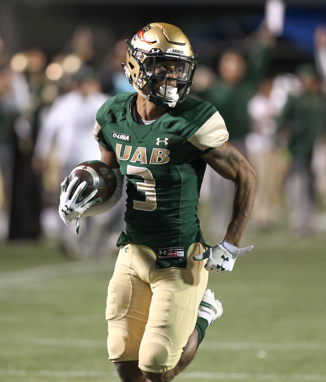 UAB wide receiver Andre Wilson scores a touchdown against UTSA at Legion Field in Birmingham, Ala., Saturday, Nov. 3, 2018.