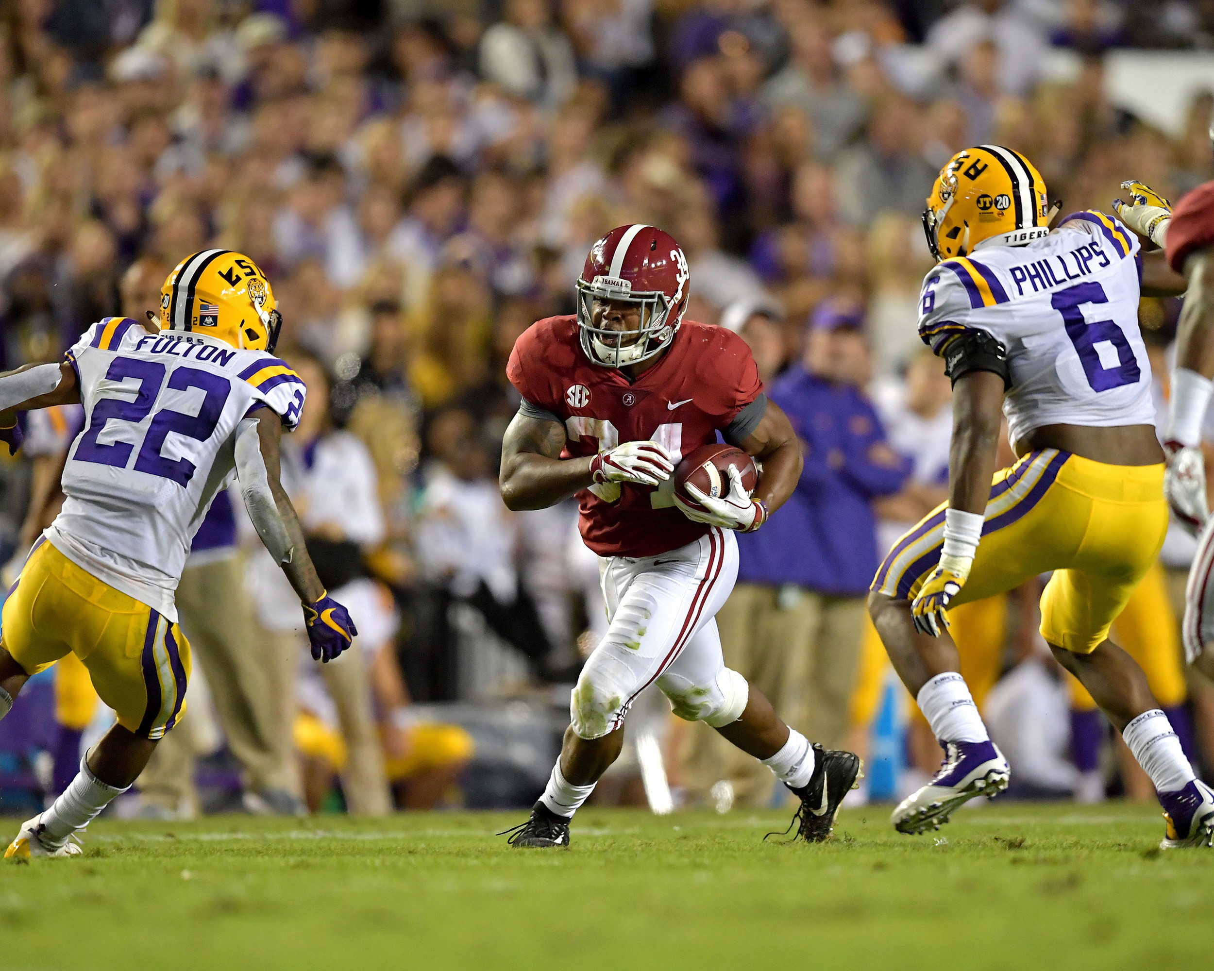 Alabama Crimson Tide running back Damien Harris (34) during the first half of an NCAA football game against the LSU Tigers Saturday, November 3, 2018, at Tiger Stadium in Baton Rouge, La. Alabama wins 29-0. (Photo by Lee Walls)