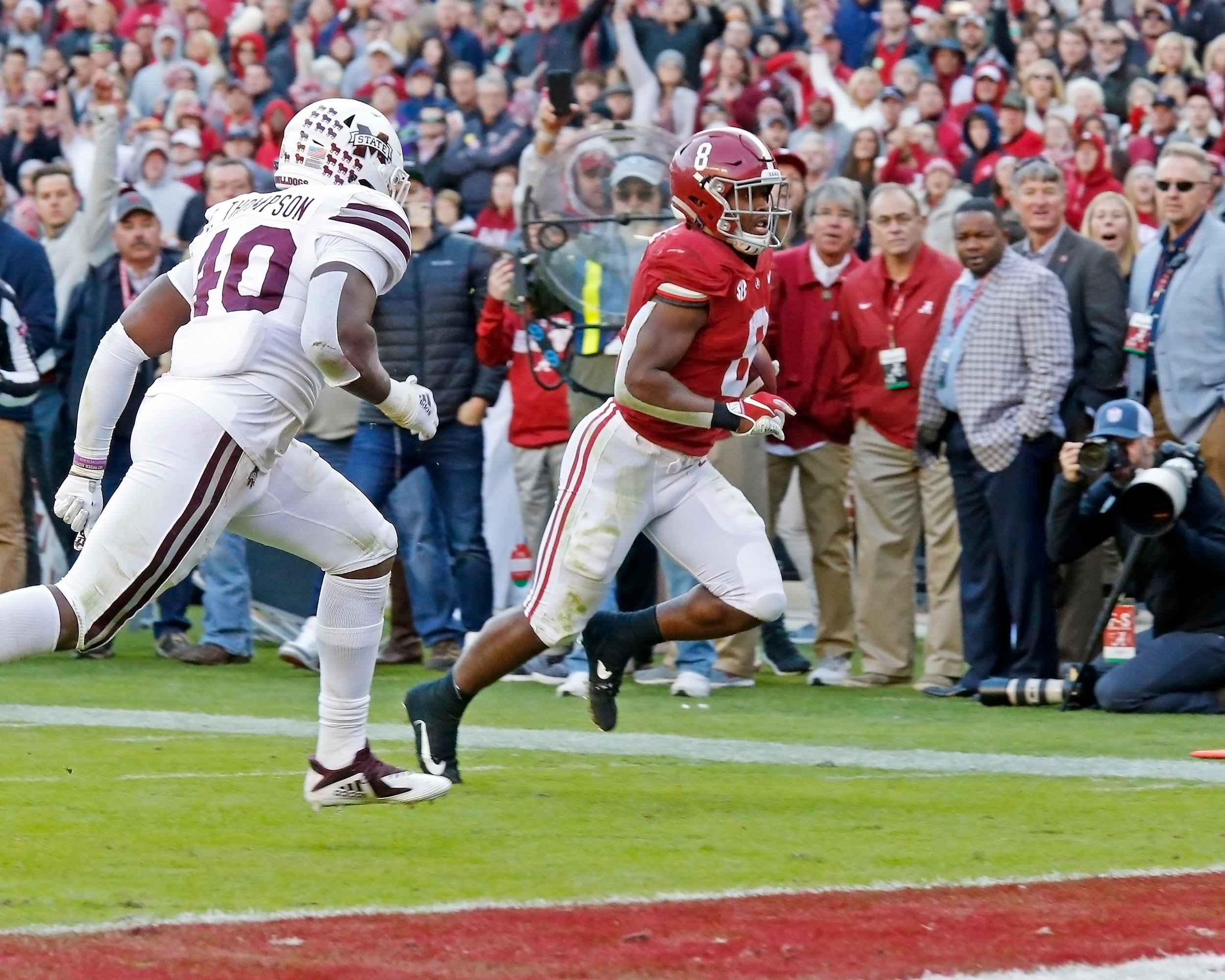 Alabama Crimson Tide running back Josh Jacobs (8) rushes for a touchdown during the game between Mississippi State and the University of Alabama at Bryant-Denny Stadium in Tuscaloosa, Al. Credit: Jason Clark / Daily Mountain Eagle