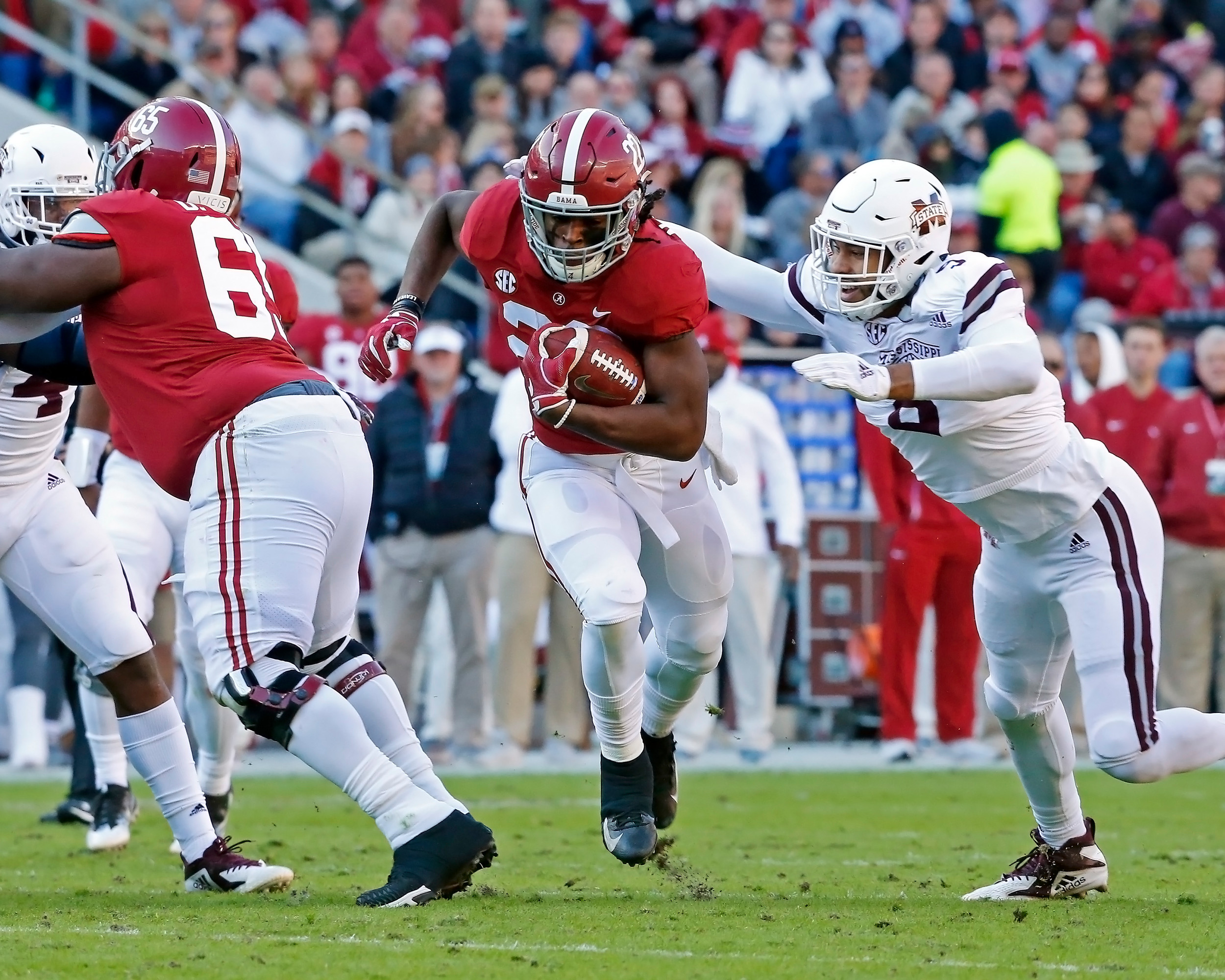 Alabama Crimson Tide running back Najee Harris (22) rushes for a first down during the game between Mississippi State and the University of Alabama at Bryant-Denny Stadium in Tuscaloosa, Al. Credit: Jason Clark / Daily Mountain Eagle