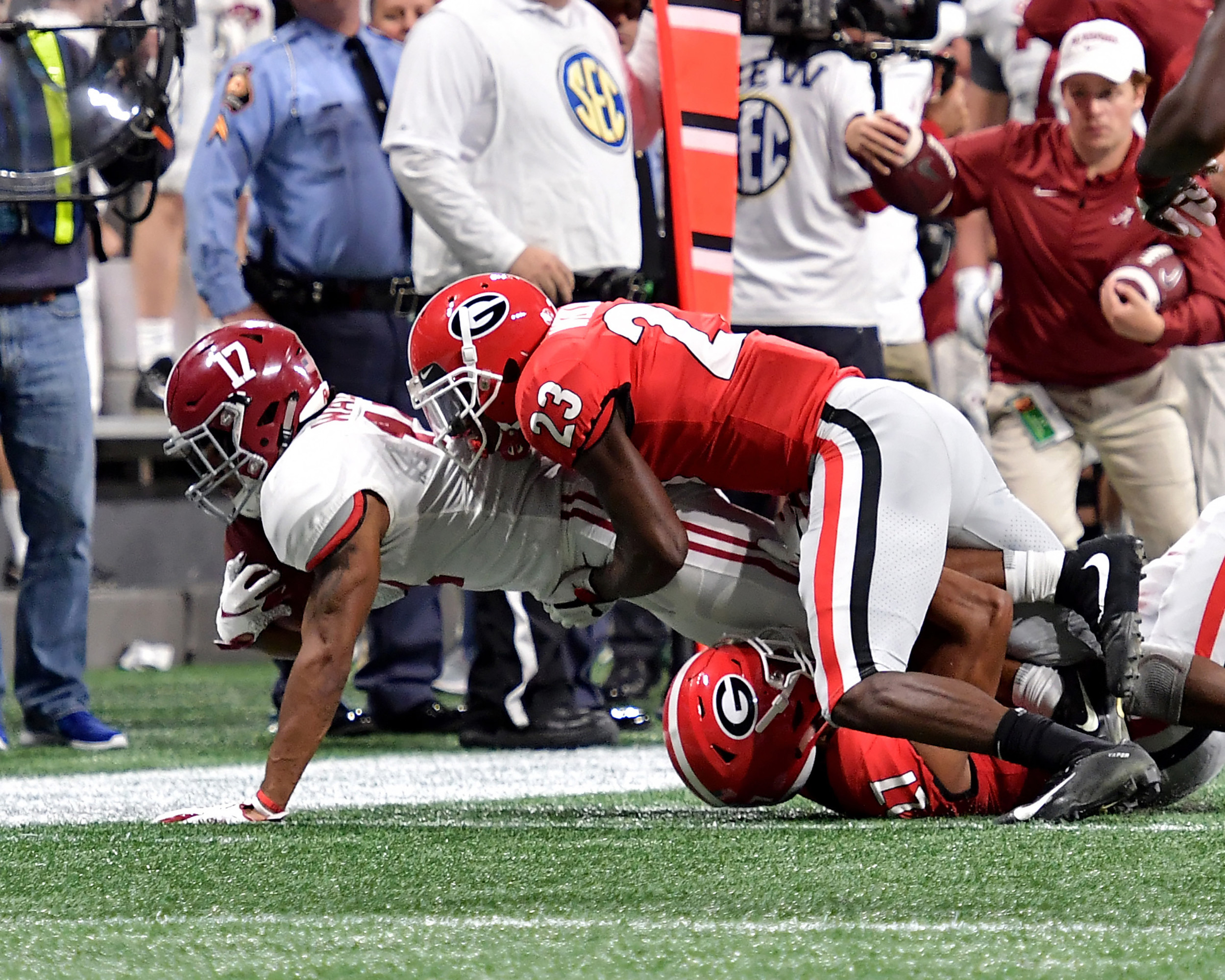 From second half of the 2018 SEC Championship football game, featuring the Georgia Bulldogs and the Alabama Crimson Tide, at Mercedes-Benz Stadium in Atlanta, Ga., on Dec. 1, 2018. Alabama wins 35-28. (Photo by Lee Walls)