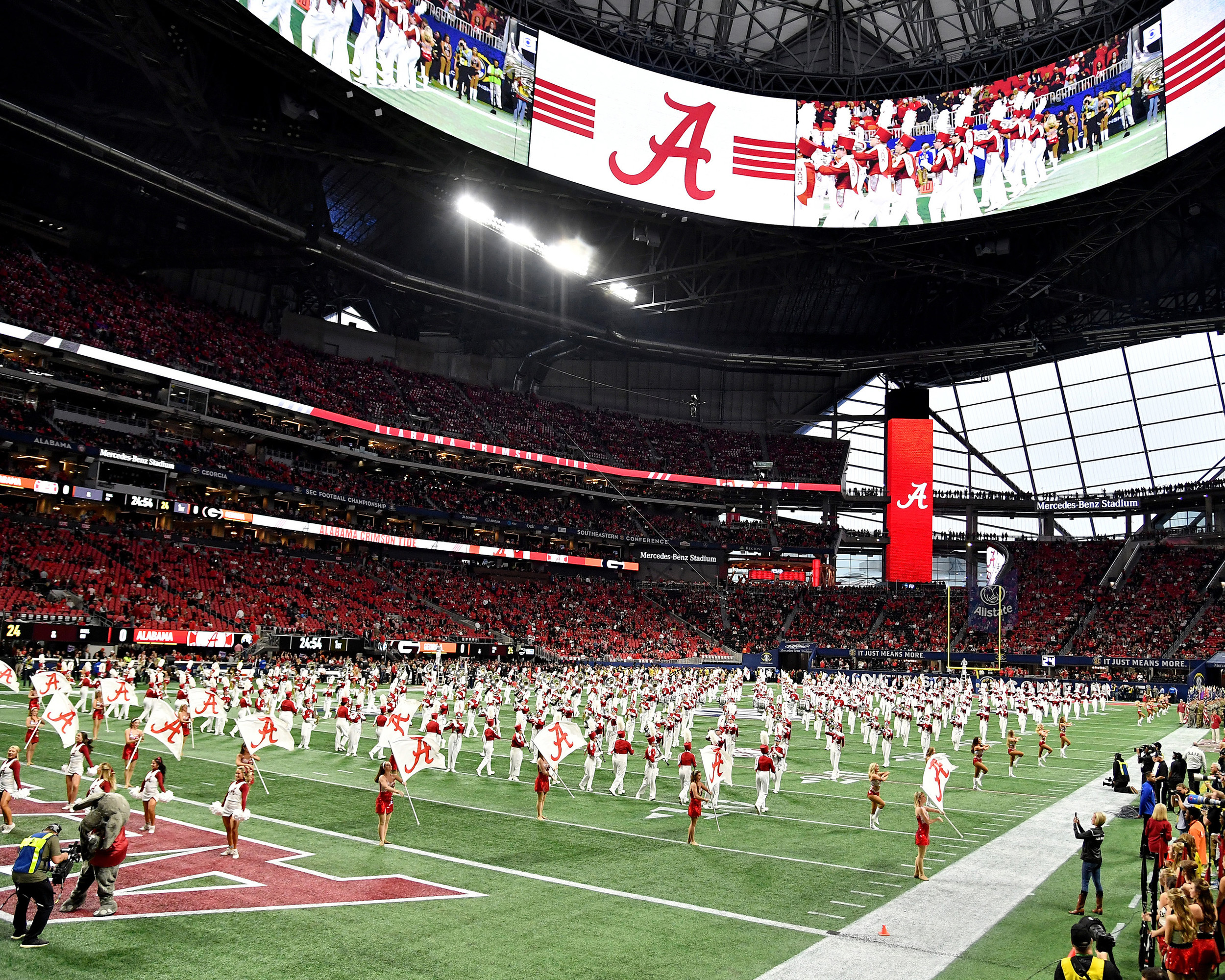 Pre-game for the 2018 SEC Championship football game, featuring the Georgia Bulldogs and the Alabama Crimson Tide, at Mercedes-Benz Stadium in Atlanta, Ga., on Dec. 1, 2018. Alabama wins 35-28. (Photo by Lee Walls)