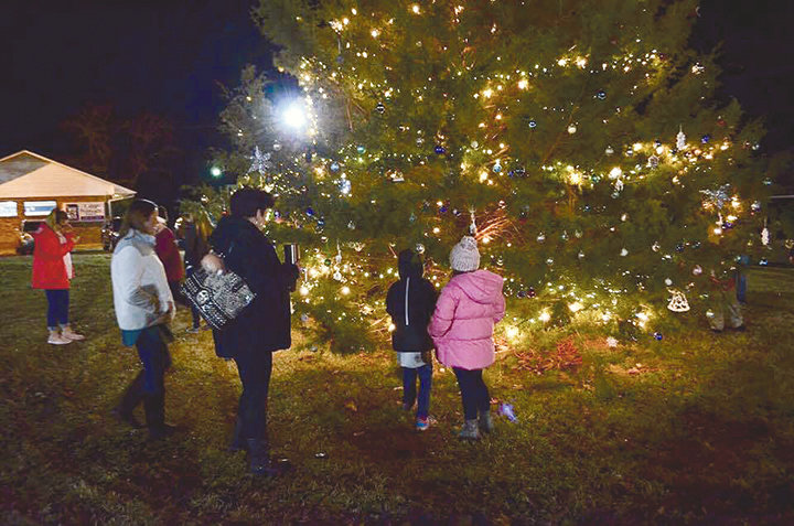 The Town of Oakman held their annual Christmas tree lighting Monday night. Many gathered in the downtown district to celebrate, including students from Oakman Middle School who decorated ornaments that were placed on the town's tree. Oakman's Christmas celebration will continue at their Christmas parade next Monday, Dec. 10, beginning at 6 p.m. in downtown Oakman.