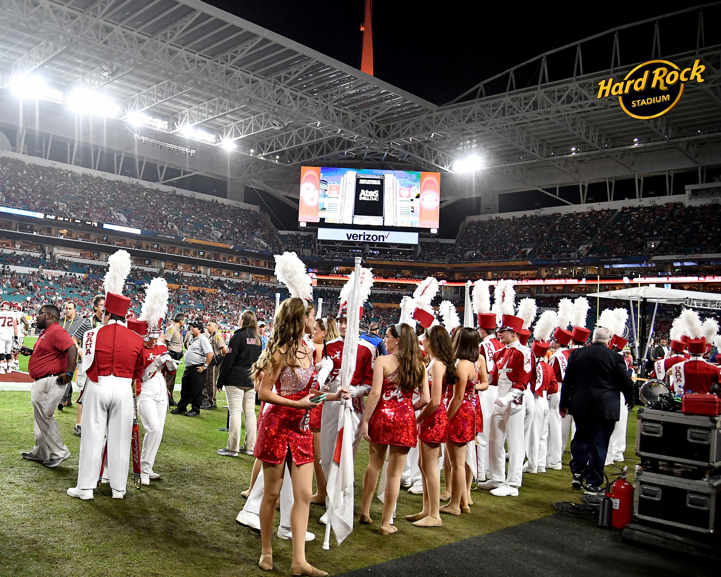Getting ready to start the Capital One Orange Bowl, featuring the Alabama Crimson Tide and the Oklahoma Sooners, at Hard Rock Stadium in Miami Gardens, Fla., Saturday, Dec. 29, 2018. Alabama wins 45-34. (Photo by Lee Walls)