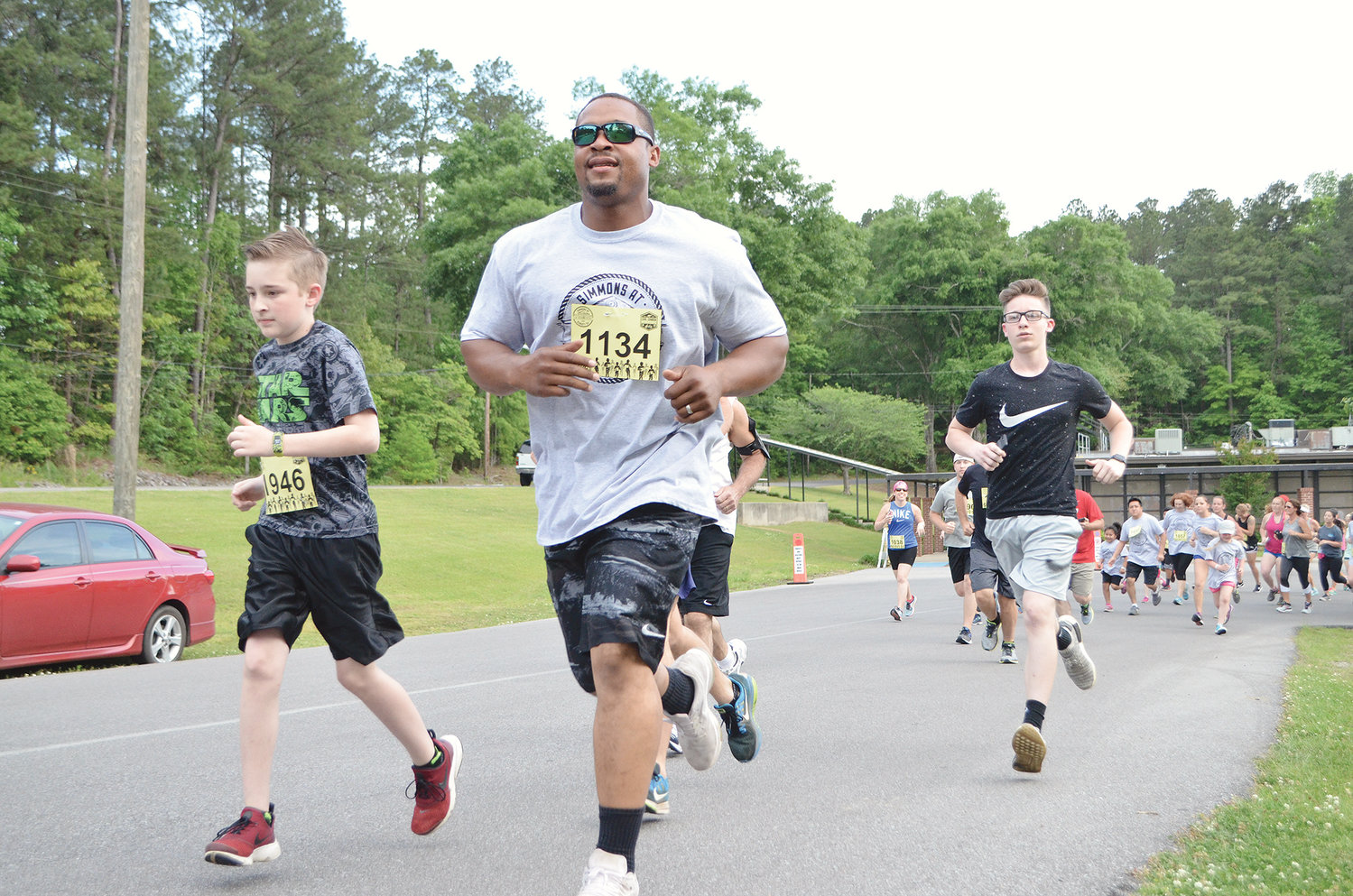 Hundreds will gather at T.R. Simmons Elementary School on Friday for the annual Simmons @ Sunset 5K and Fun Run.