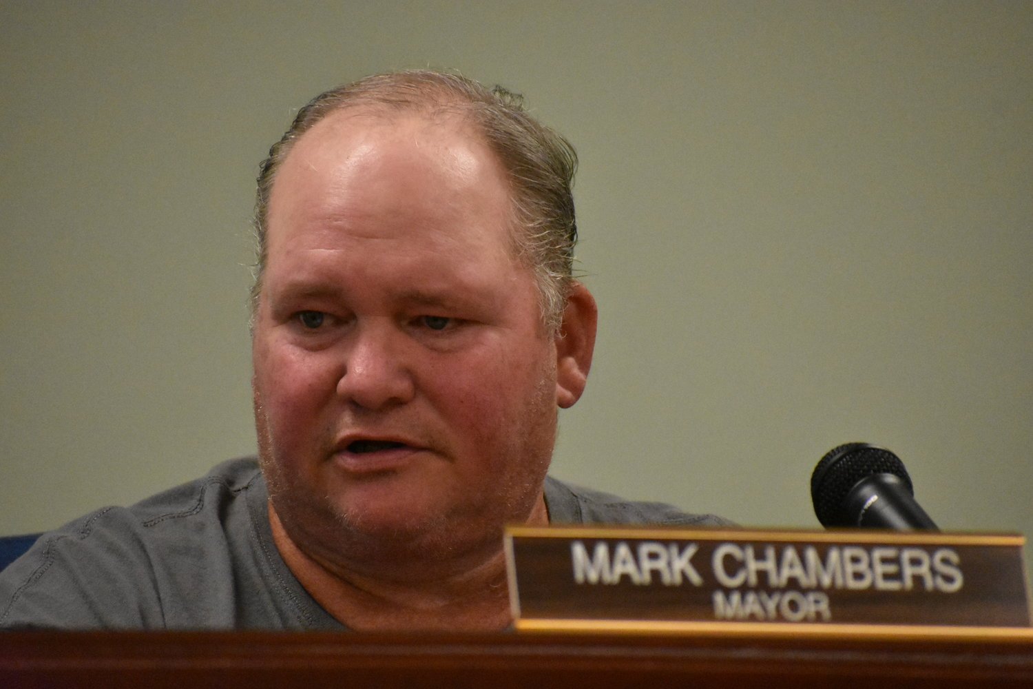 Carbon Hill Mayor Mark Chambers speaks at a Carbon Hill City Council meeting in April.