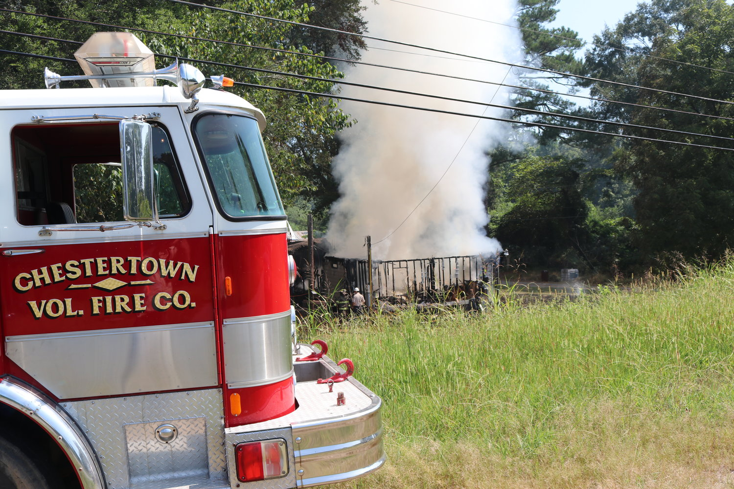 A fire in a mobile home on the Mulberry Fork (across from T&R Grocery) brought volunteer firefighters from Sipsey, Empire, and Town Creek. The Chestertown fire truck belongs to the Towncreek Volunteer Fire Department.