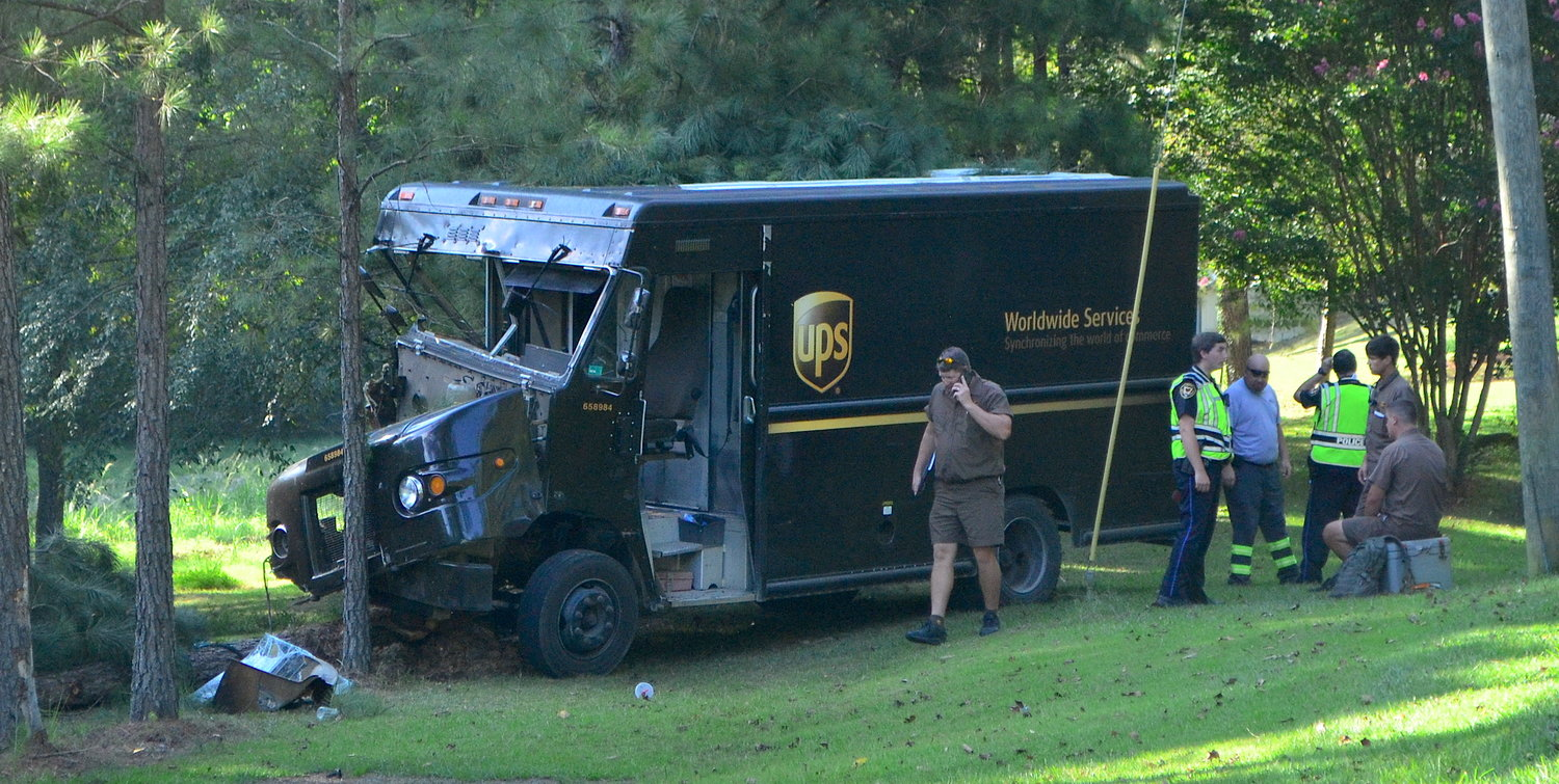 UPS driver injured in accident | Daily Mountain Eagle