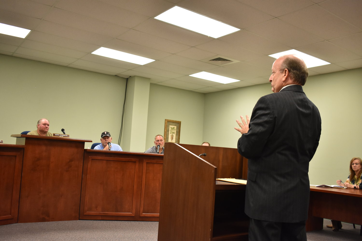 Fayette accountant Rick McCabe talks to the Carbon Hill City Council Monday night before Mayor Mark Chambers said he would appoint McCabe to help the city catch up with audits since 2013.