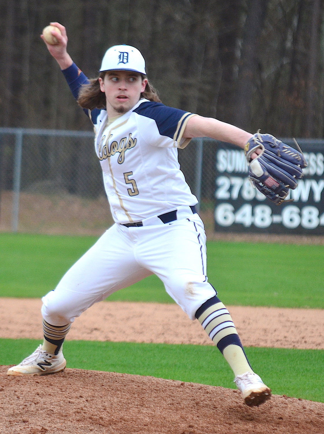 Dora's Kyle Chapman throws a pitch against Sumiton Christian on Monday.
