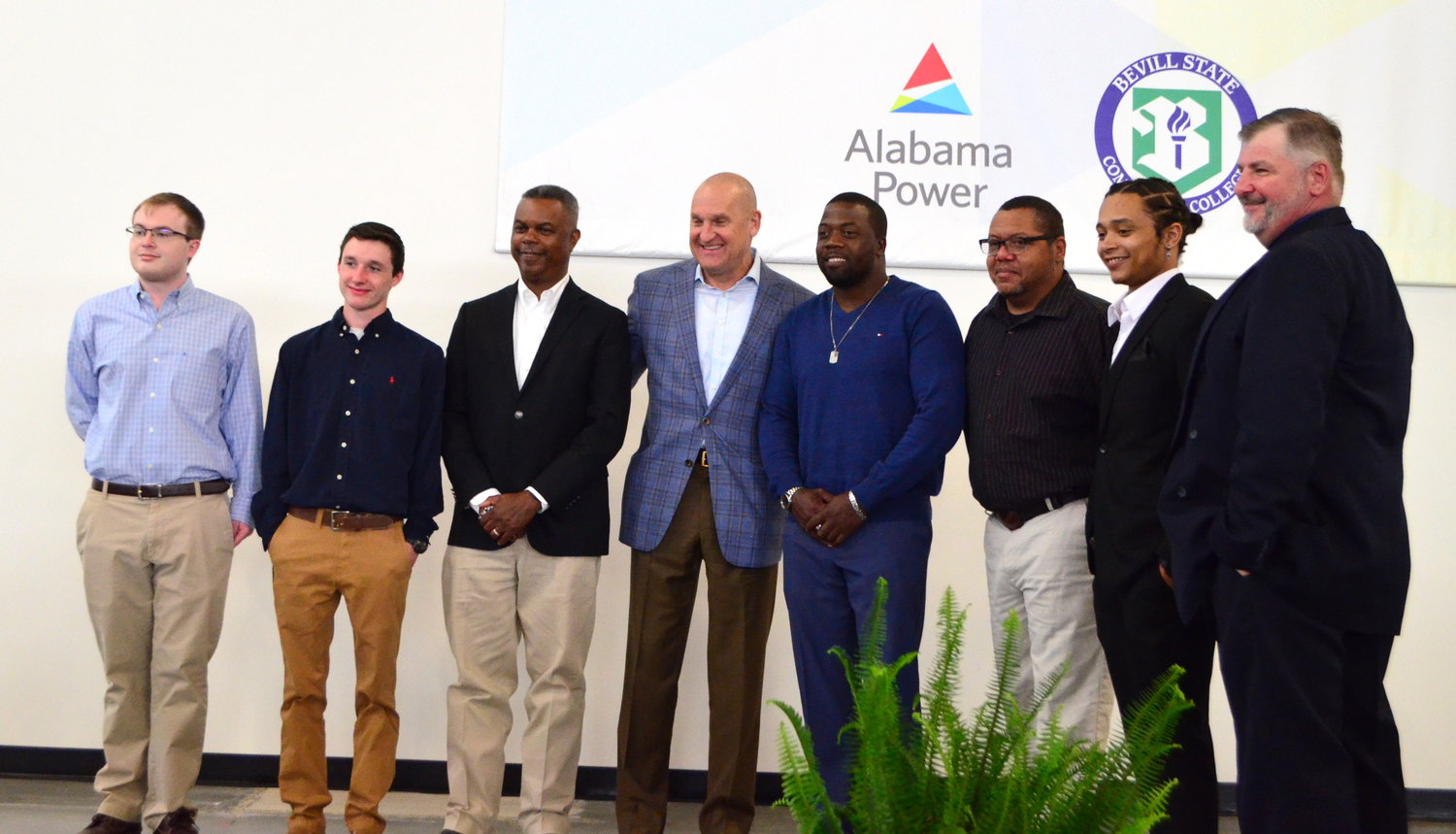 Graduates of the HVAC Fast Track program are pictured with Jeff Peoples of Alabama Power.