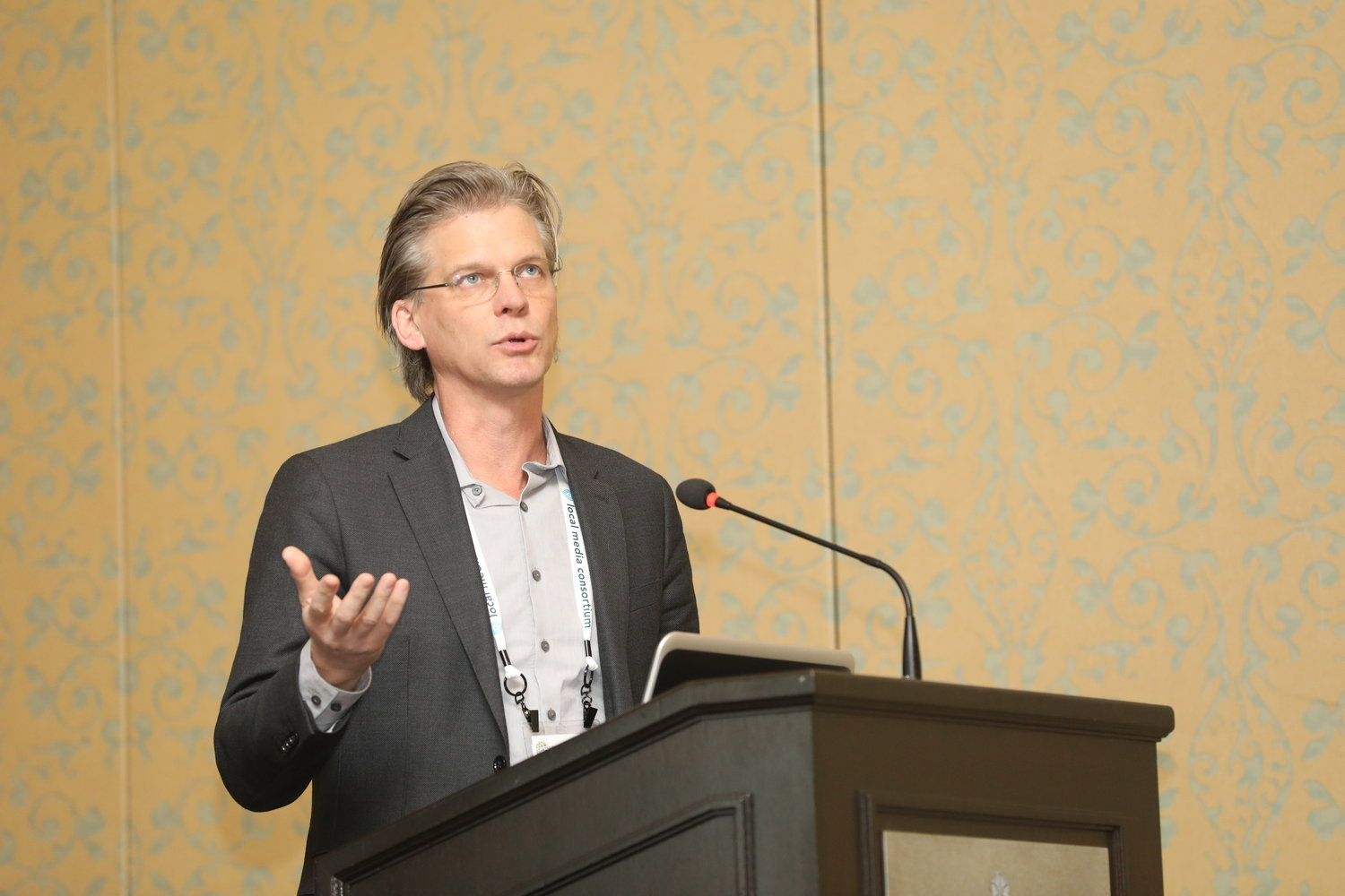 "Eric Barnes of The Daily Memphian on ""Making News Deserts Bloom Again"" at the 2020 Mega-Conference. (Photo by Bob Booth)"