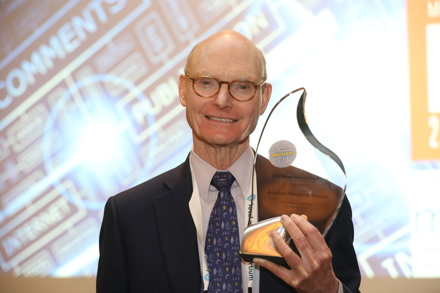 Walter E. Hussman Jr., publisher of the Arkansas Democrat-Gazette, was presented with the Mega-Innovation Award, Tuesday in Fort Worth. (Photo by Bob Booth)