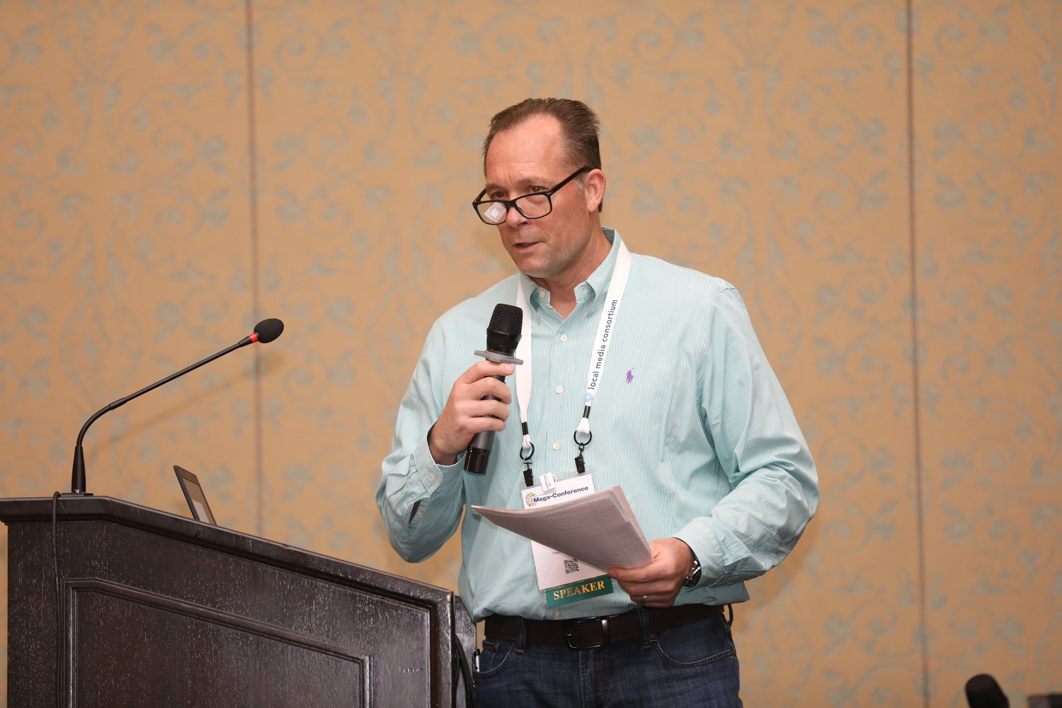 Pat Dorsey, publisher of the Austin American-Statesman, at the Mega-Conference. (Photo by Bob Booth)