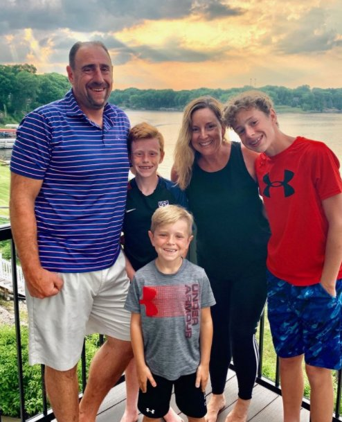 Daily Herald executive Pete Rosengren, who died Sunday in Florida, poses in this family photo with his wife, Maura, and their sons Charlie, 12, Grant. 7, and Gavin, 14. (Photo courtesy of Rosengren family)