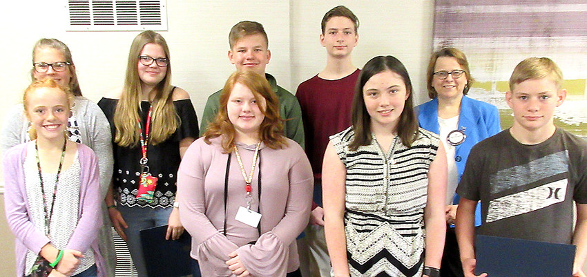 Rotarian Jan Touney (second from right) with Interact students, front (l-r): Bella Warm, Rose Burklow, Evelyn Shaw and Luke Elgrin. Back: Chloe Strand, Cora Davis, Clayton Adrian and Jack Callahan.