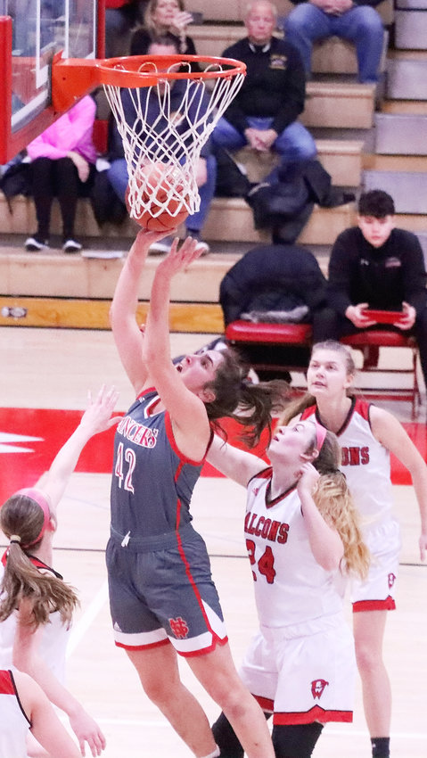 Grace Boffeli scored 30 points and grabbed 15 rebounds in Tuesday's 73-35 win over Davenport West.