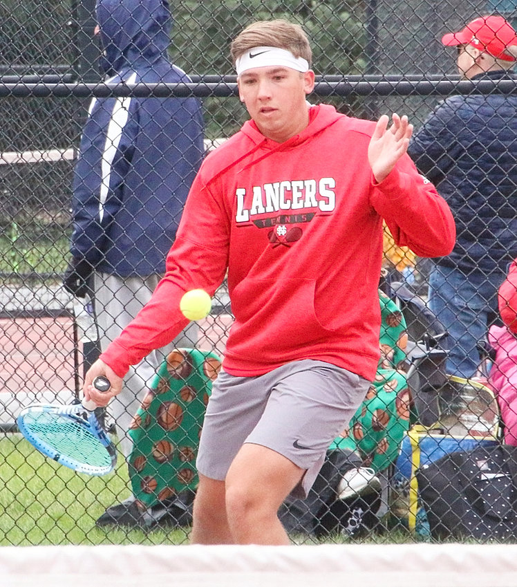 Zach Johnson finished second at No. 1 singles.