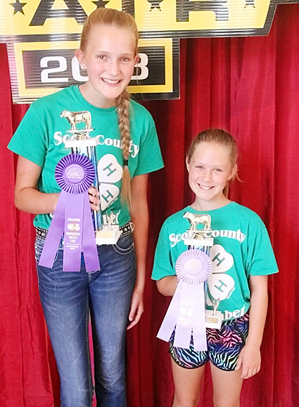 Anna Otte (Champion) and Delaney Engler (Reserve Champion) took top honors in the Carcass class.