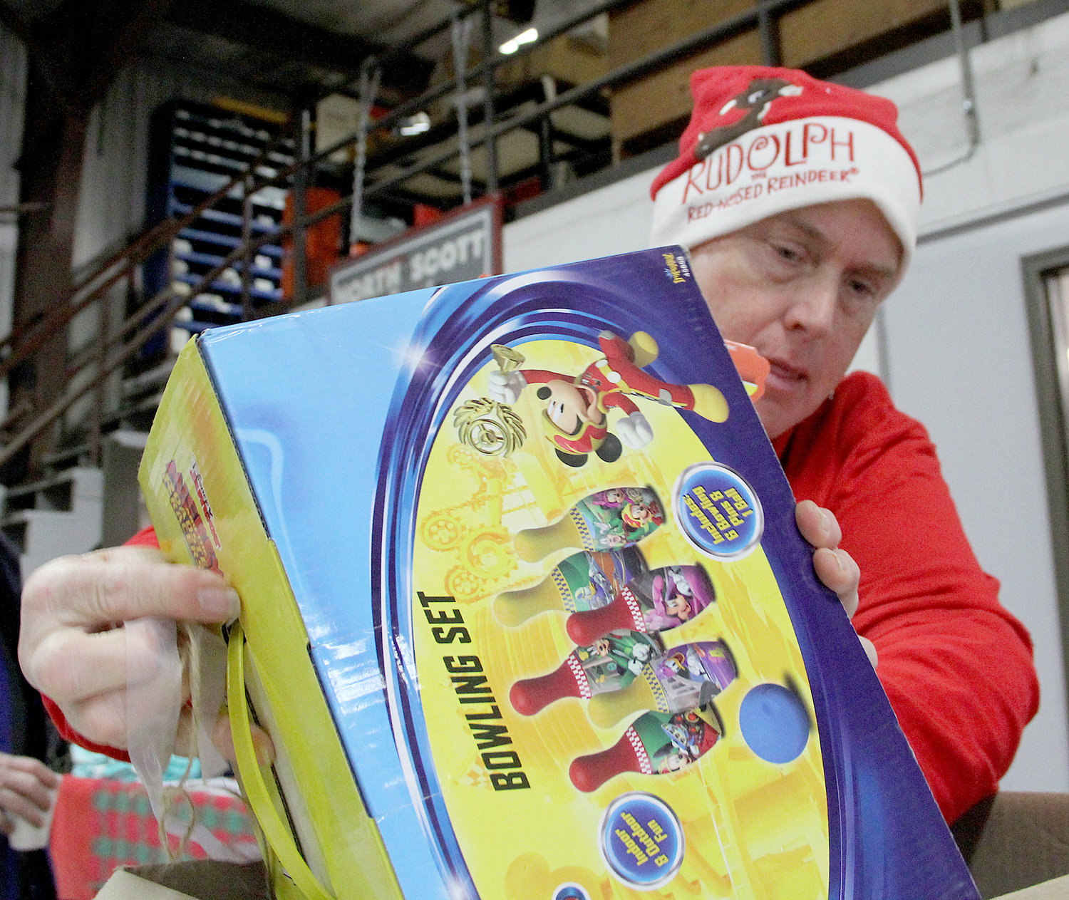 On Nov. 30, North Scott bus drivers continued their Christmas tradition of delivering presents and gift baskets. Transportation director Luann Baetke and crew purchased, wrapped and helped deliver hundreds of presents across the North Scott area.