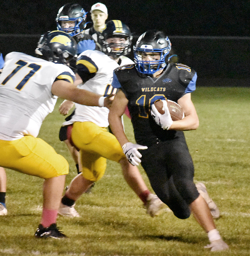 Nolan DeLong ran for 246 yards and four TDs in an overtime loss to Cascade.