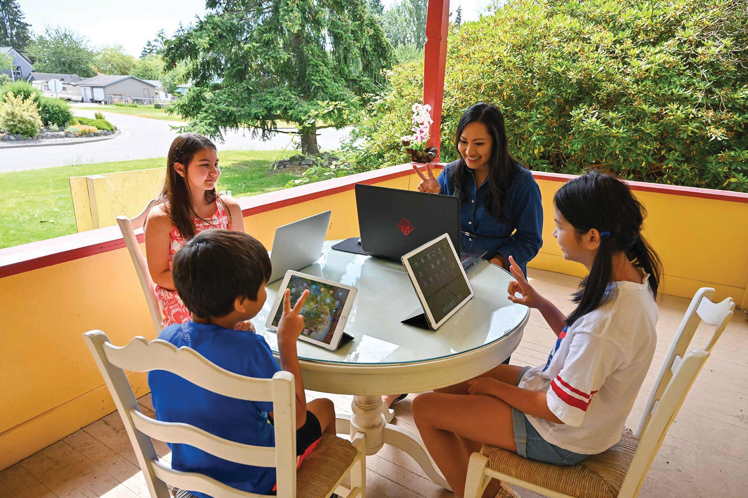 Fawn Ventura and her Blaine students talk with international students online at Ventura's home this summer.
