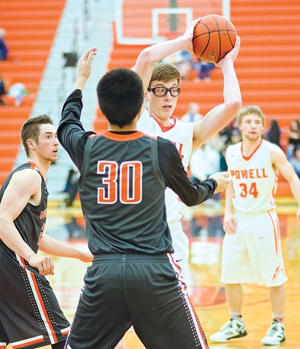 PHS junior Zach Meredith attempts to make a move toward the basket during a home game against Worland on Saturday.