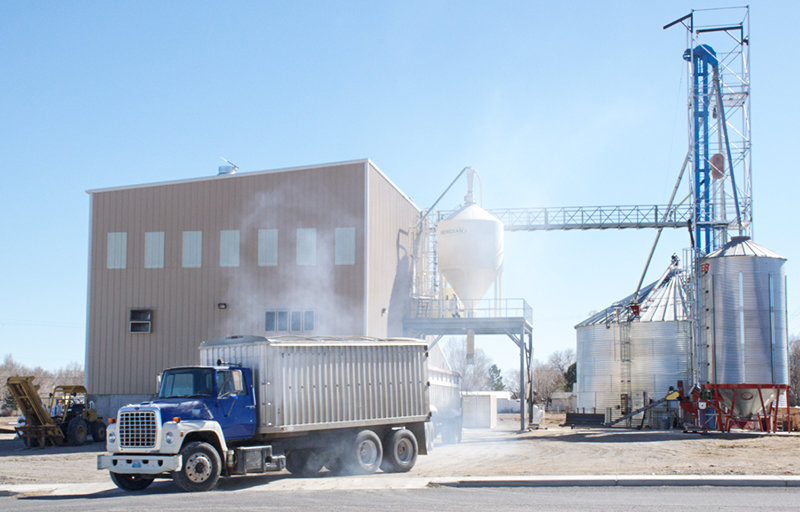 The City of Powell has agreed to sell Gluten Free Oats' city-owned facilities to the company, with the sale to close by the end of the year.