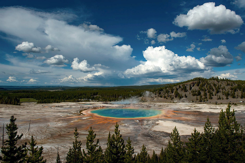Grand Prismatic Spring and other geothermal features in Yellowstone National Park lie within the Yellowstone caldera. Should the 'supervolcano' erupt, it would be devastating to the earth and its occupants. But Robert Smith, of the University of Utah, considers earthquakes a bigger danger to those living close to the park.