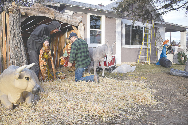 Best little Christmas house in Wyoming | Powell Tribune on christmas plans, train plans, halloween plans, temple plans, sheep plans, outdoor wooden manger plans, birth plans, church plans, life plans, marriage plans, sleigh plans,
