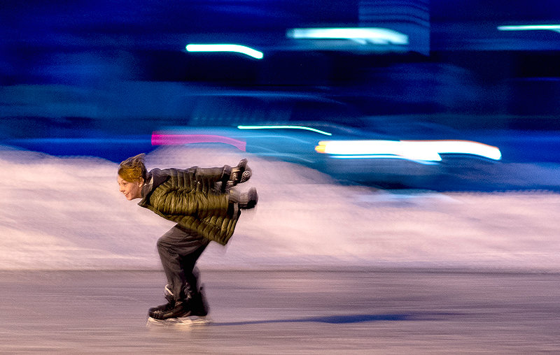 Powell Middle School student Tucker Robinson speeds around the track, one of the few students with experience on the ice.