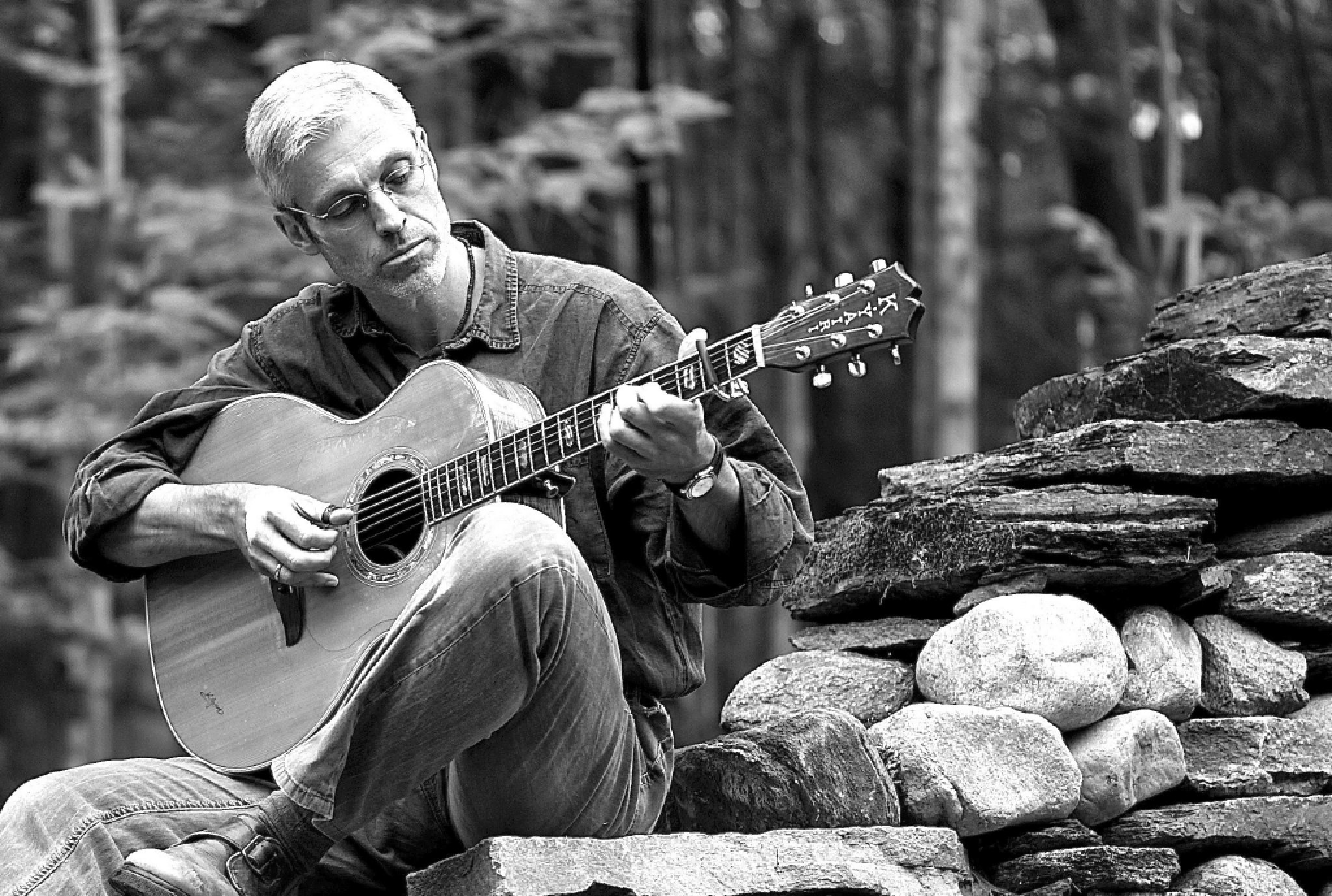 Keith Murphy will perform at Susannah Gal's residence on May 22.