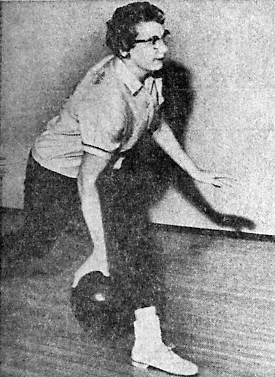 "Mrs. Betty Geist, 317 Adelia St., who has been certified by the board of directors of the WIBC, will teach in the upcoming ""Learn to Bowl"" program at Middletown Lanes. She is pictured rolling a few warm-up frames."