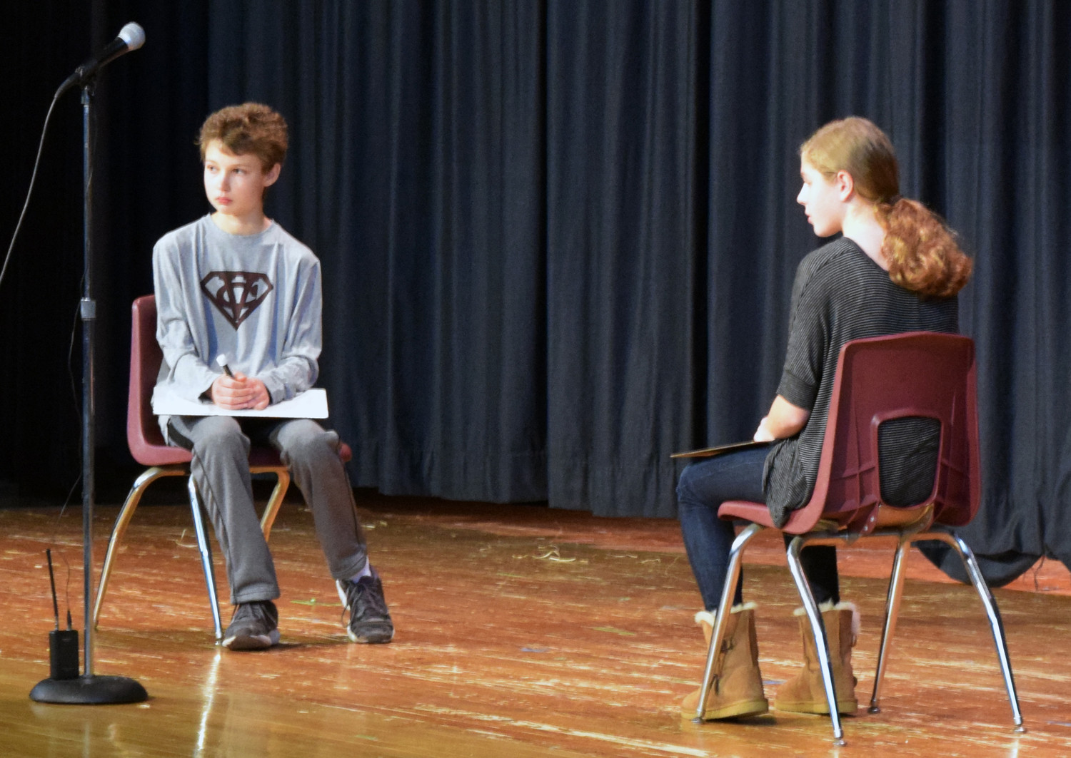 Toby Waters and Katie Estes face off in the championship round of the LD Middle School's Geography Bee.
