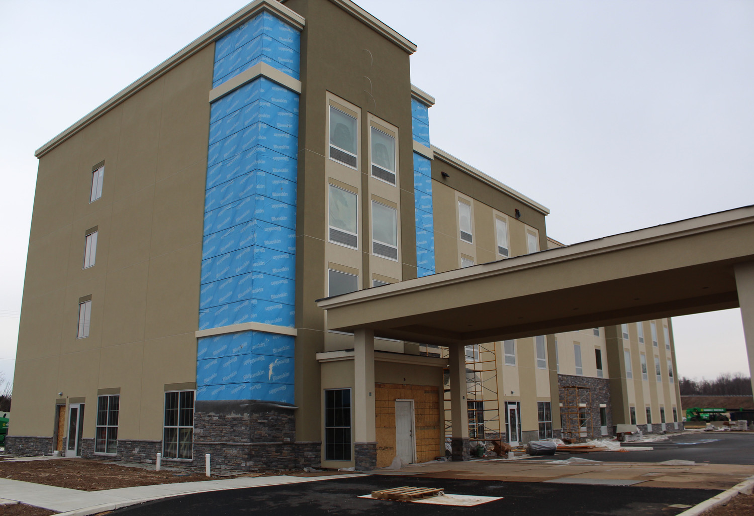 The Comfort Inn & Suites-Harrisburg Airport-Hershey South is scheduled to open this spring.