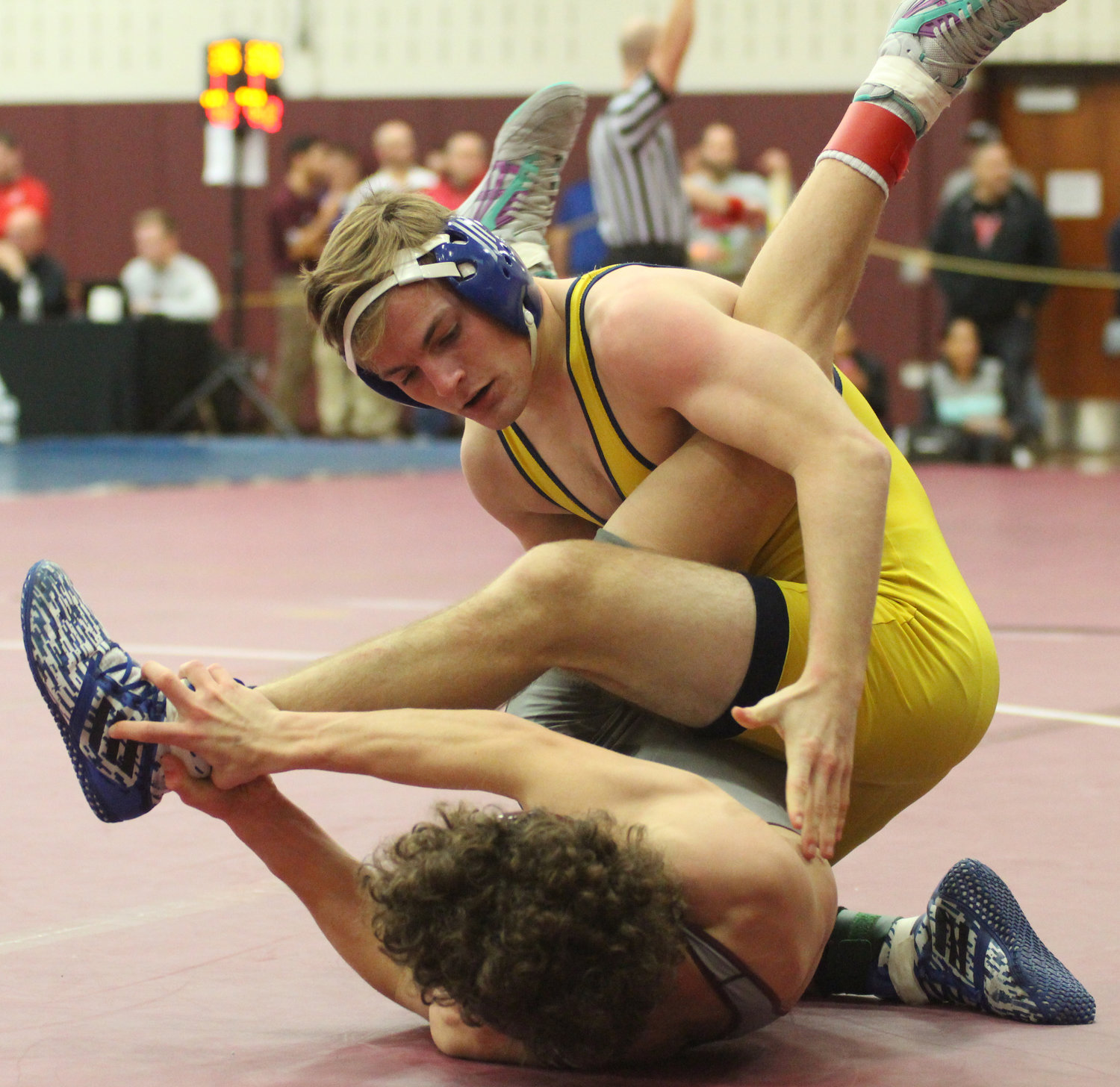 Joey Spear forced Manheim Central's Connor Zeamer to injury default in the Governor Mifflin Holiday Tournament.