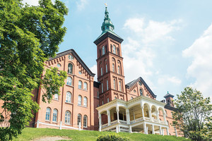 A graduate student at the College of Mount Saint Vincent tested positive for COVID-19, which prompted the school to cancel classes