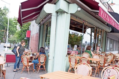 Sidewalk dining is set to return, but spaced out, under a new executive order from Gov. Andrew Cuomo that will allow restaurants and bars to once again welcome dine-in customers.